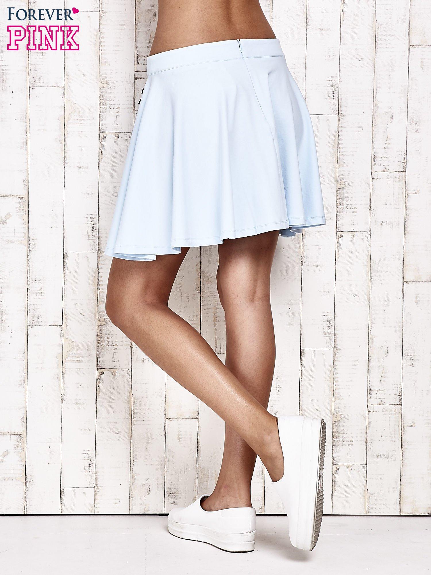 Niebieska dresowa spódnica szyta z koła                                  zdj.                                  4
