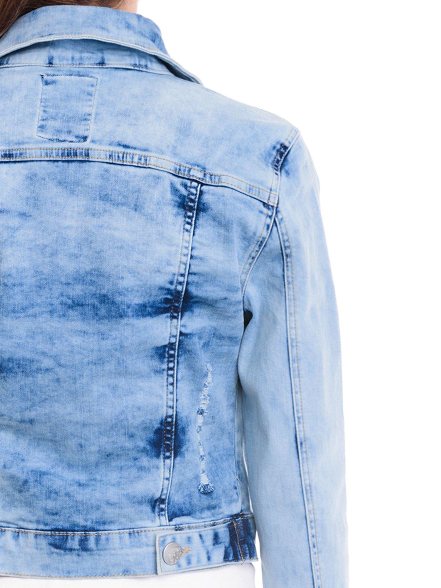 Niebieska kurtka jeansowa damska z cieniowaniem                                  zdj.                                  7