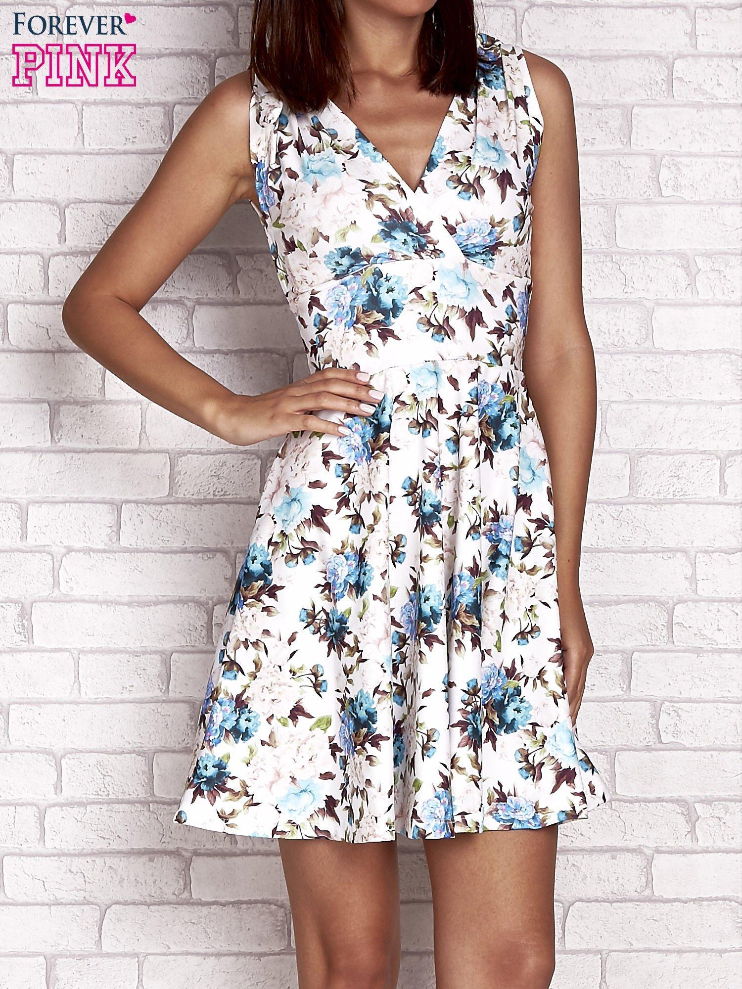 Niebieska rozkloszowana sukienka w kwiaty                                  zdj.                                  1