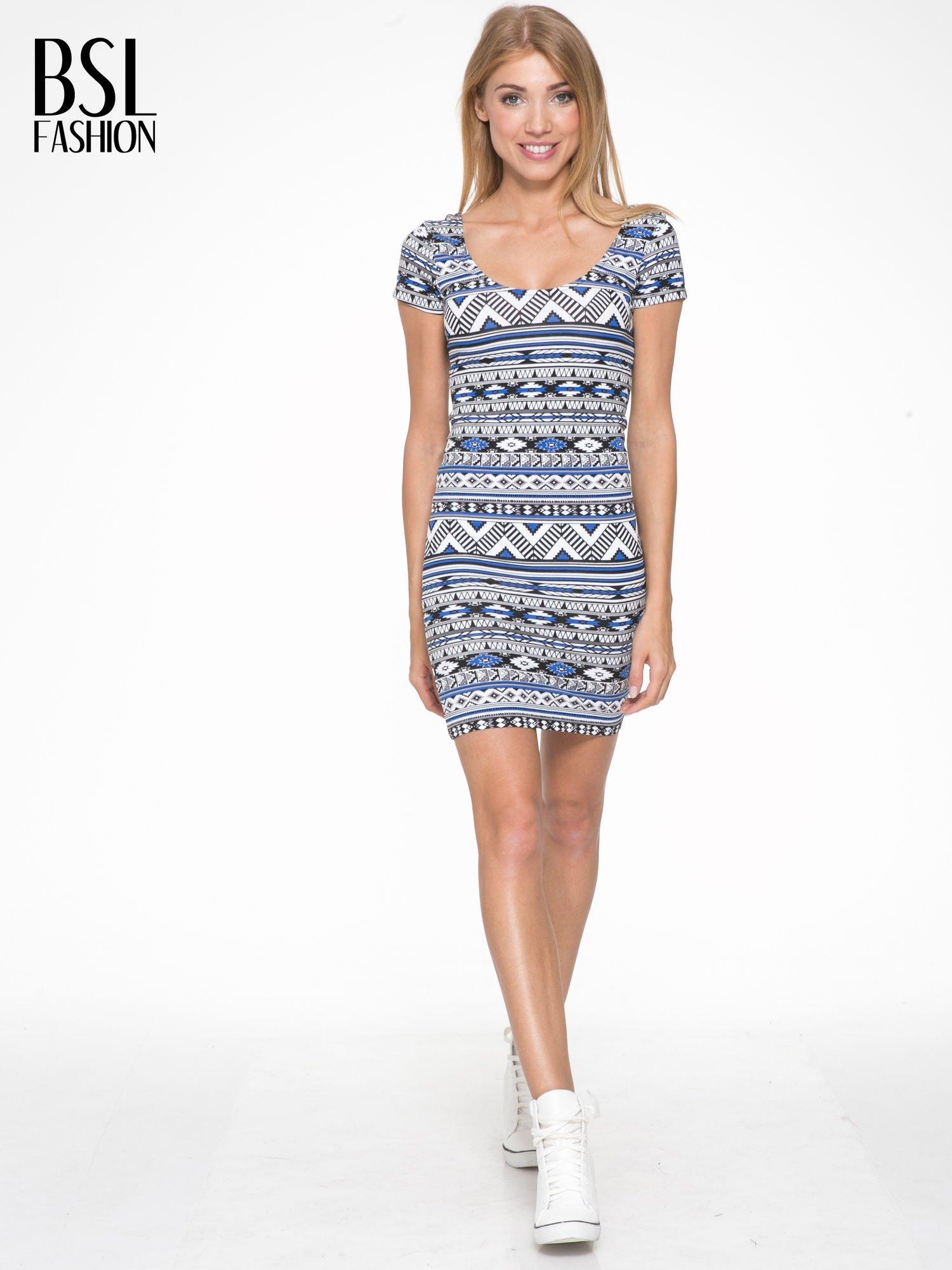 Niebieska sukienka tuba w azteckie wzory                                  zdj.                                  5