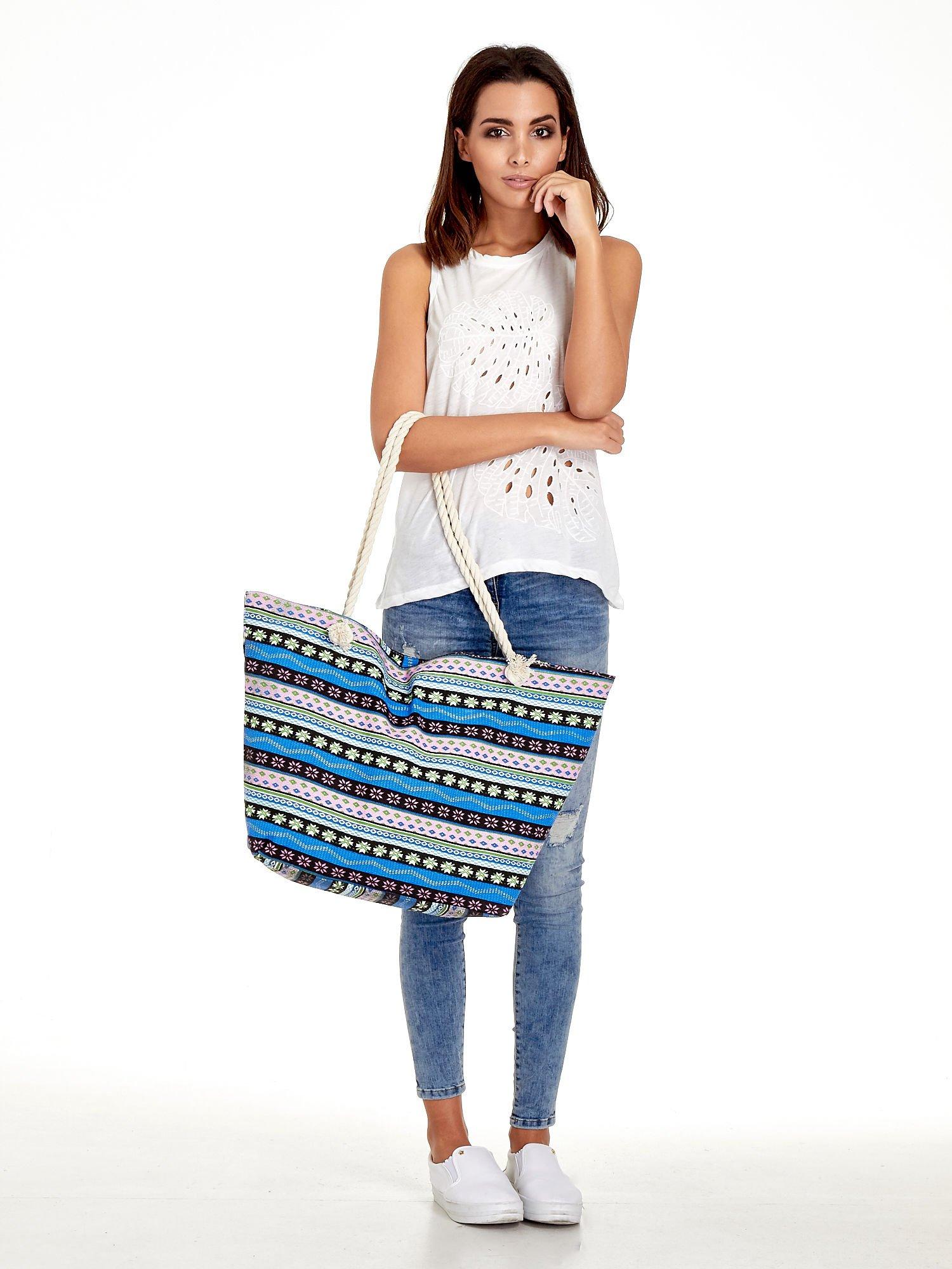 Niebieska torba plażowa w azteckie wzory                                  zdj.                                  2