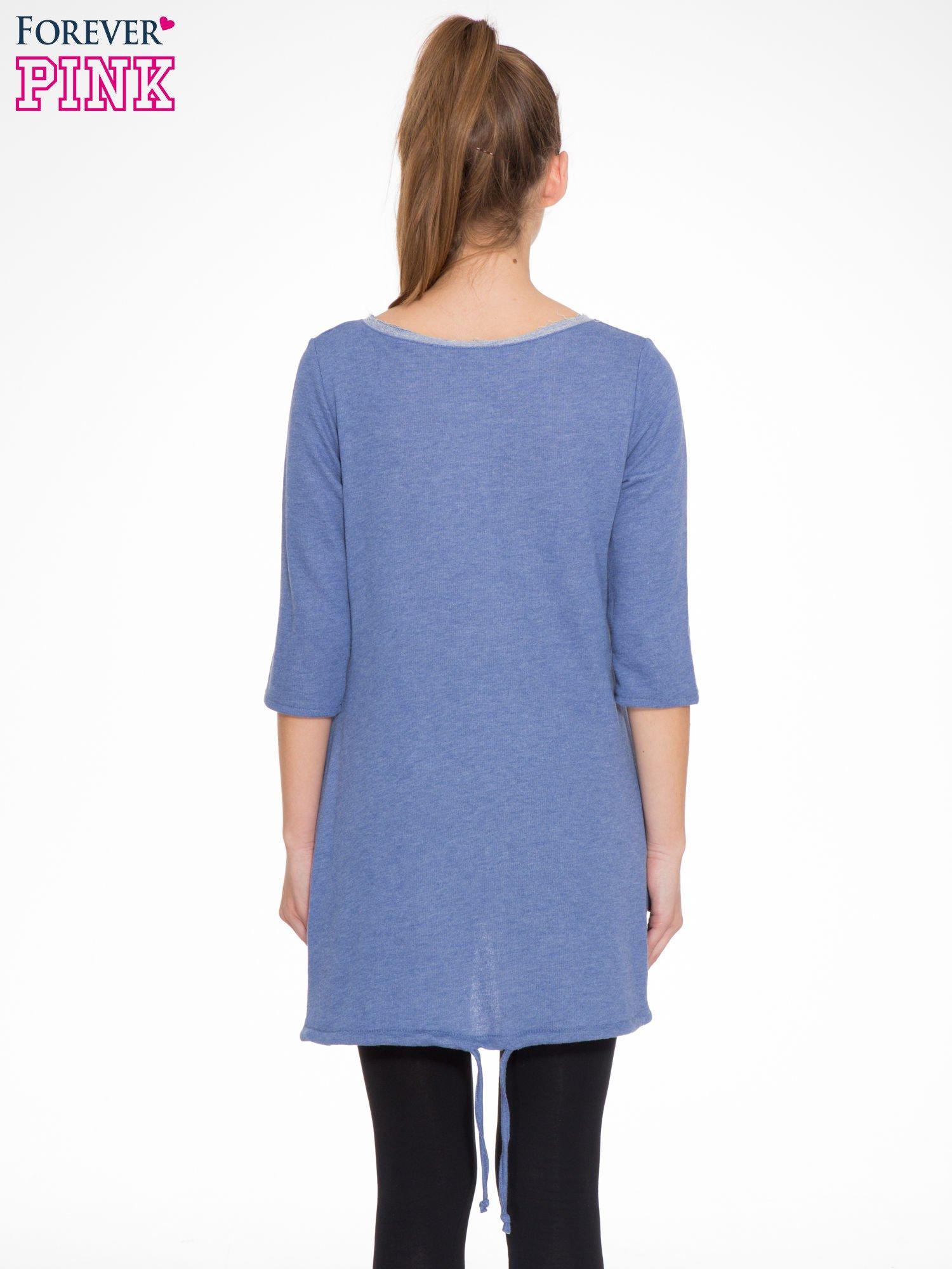 Niebieska tunika o kroju dzwonka wiązana z tyłu                                  zdj.                                  4