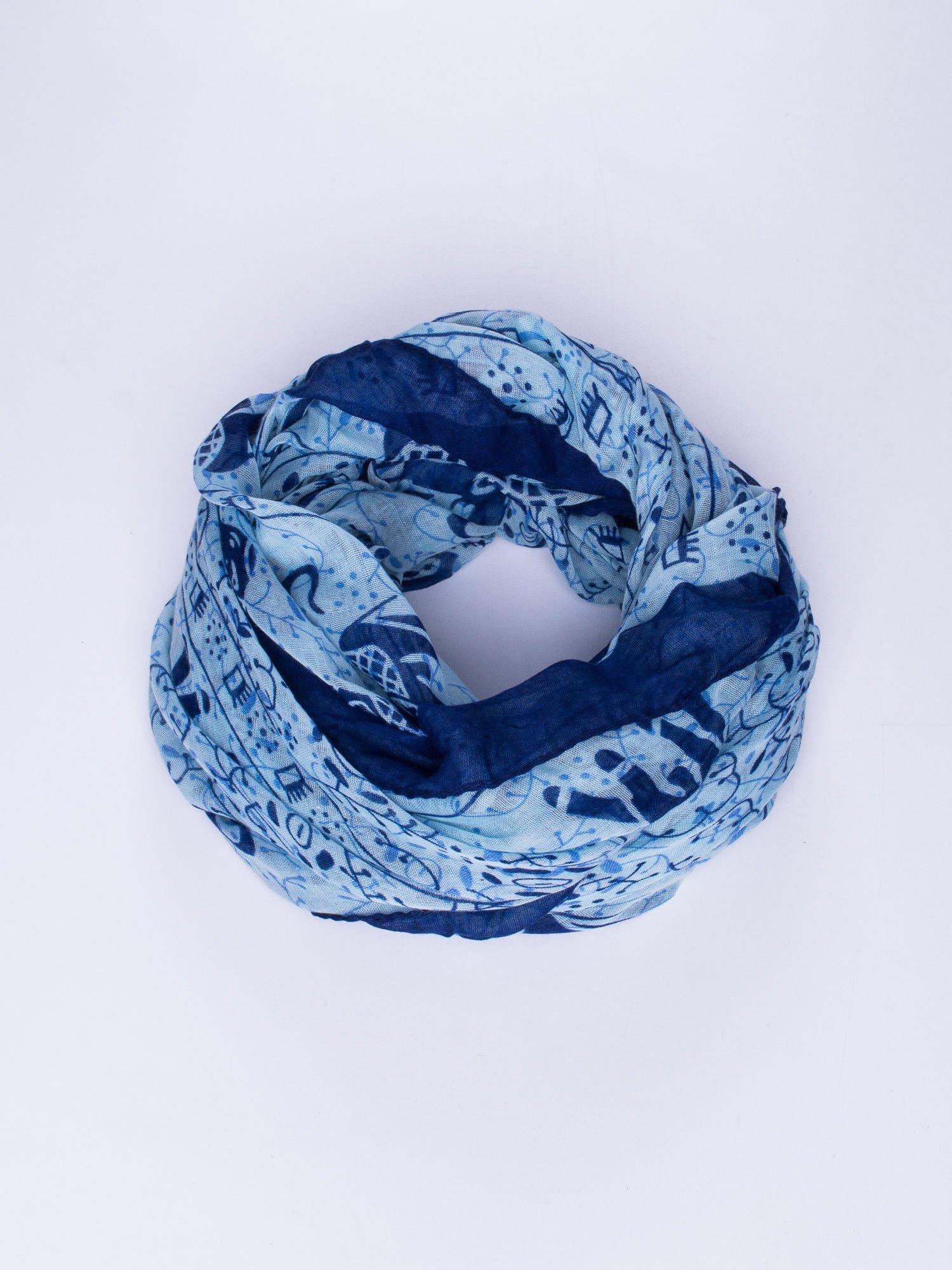 Niebieski orientalny szal we wzór ze słoni                                  zdj.                                  1