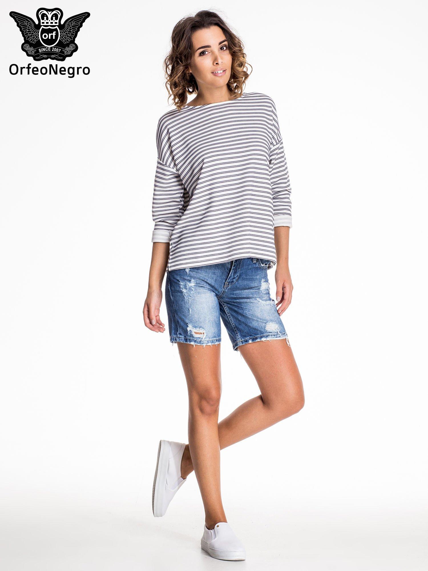 Niebieskie jeansowe szorty z dłuższą nogawką i przetarciami                                  zdj.                                  6