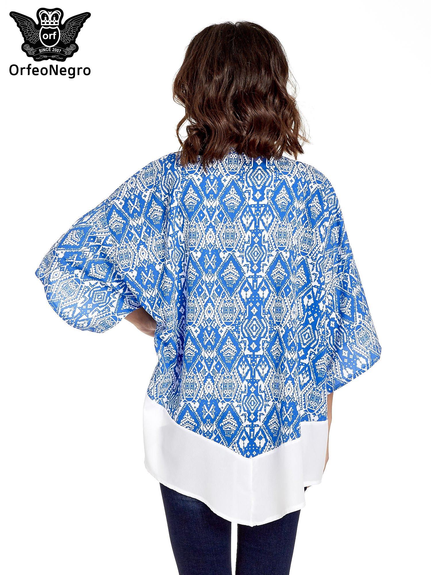Niebieskie kimono w etniczne wzory z modułem na dole                                  zdj.                                  6