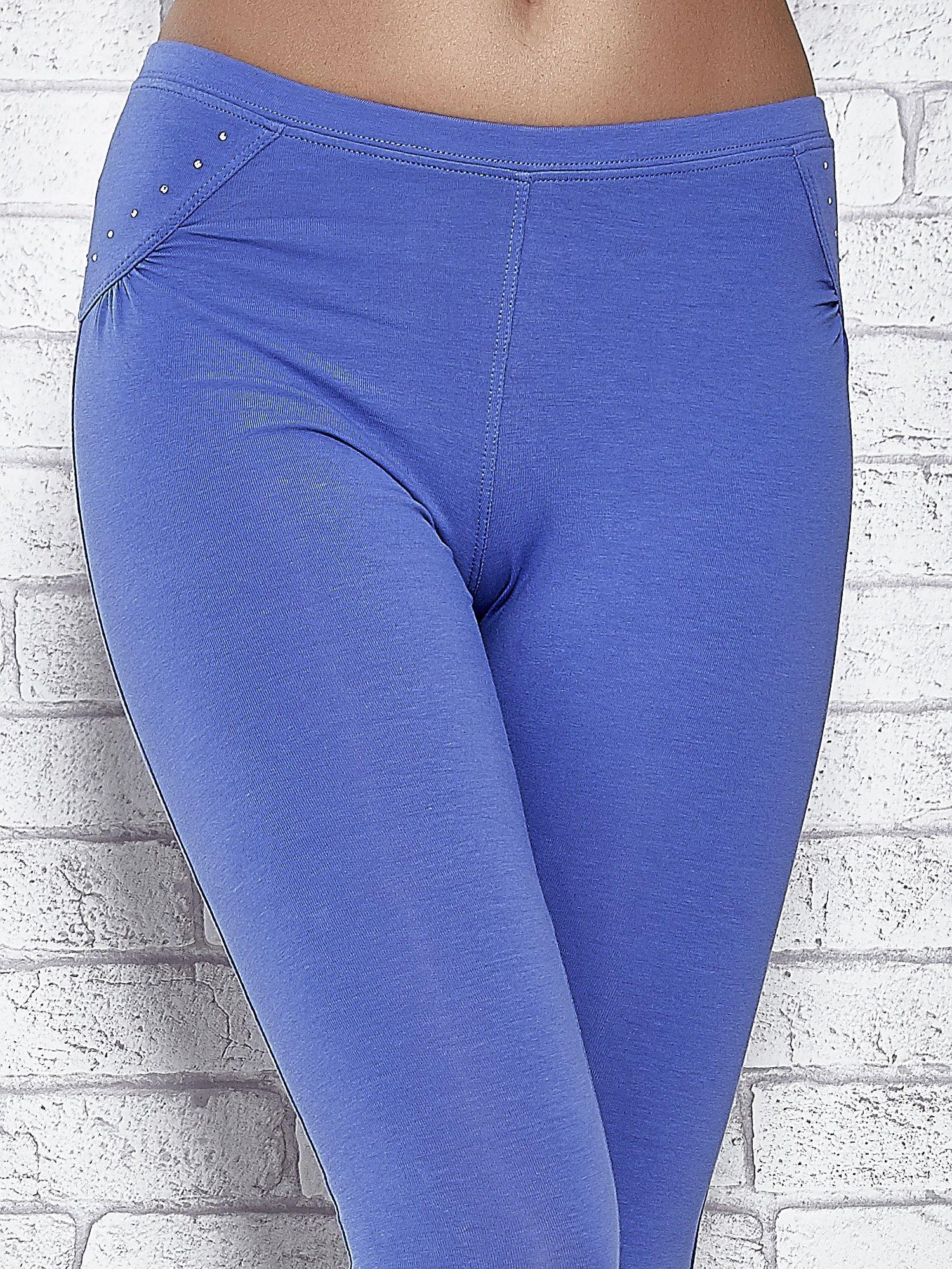 Niebieskie legginsy sportowe 7/8 z wiązaniem                                  zdj.                                  4