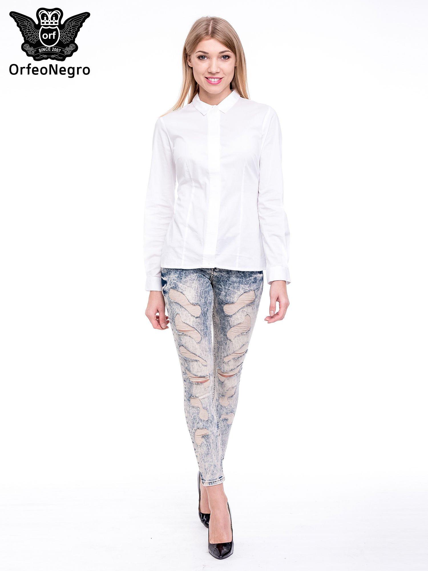 Niebieskie marmurkowe spodnie jeansowe z przetarciami                                  zdj.                                  2