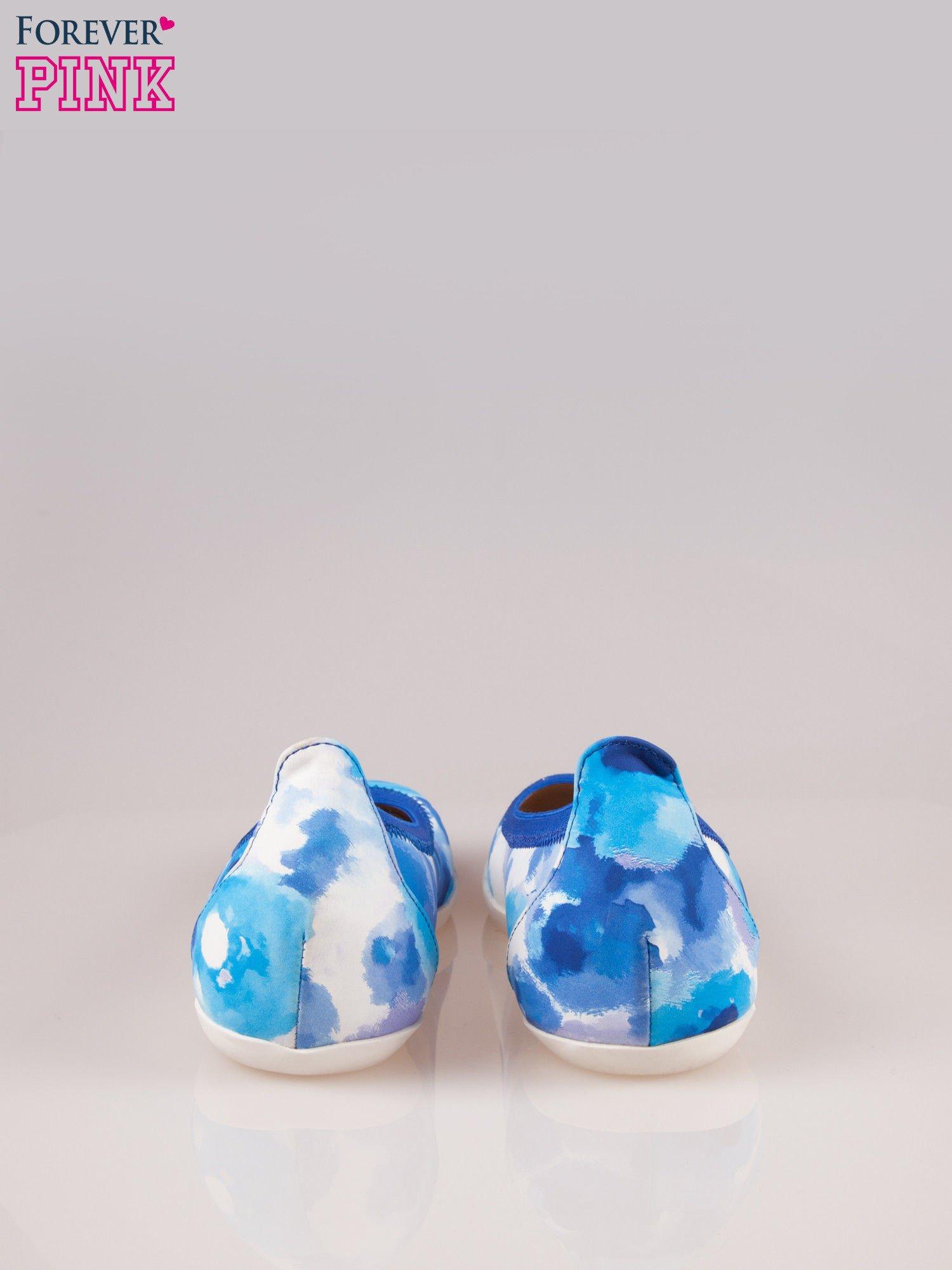 Niebiesko-białe kwiatowe baleriny Lily na gumkę                                  zdj.                                  3