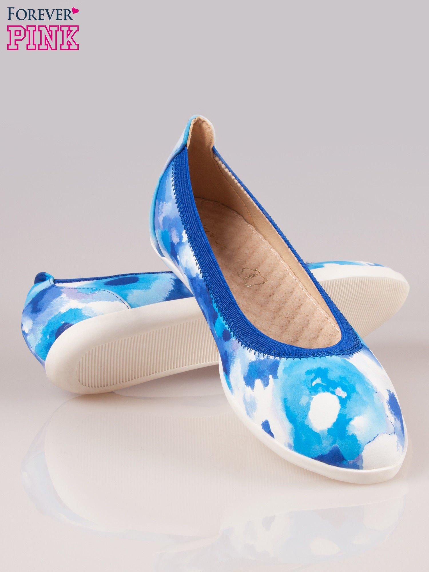 Niebiesko-białe kwiatowe baleriny Lily na gumkę                                  zdj.                                  4
