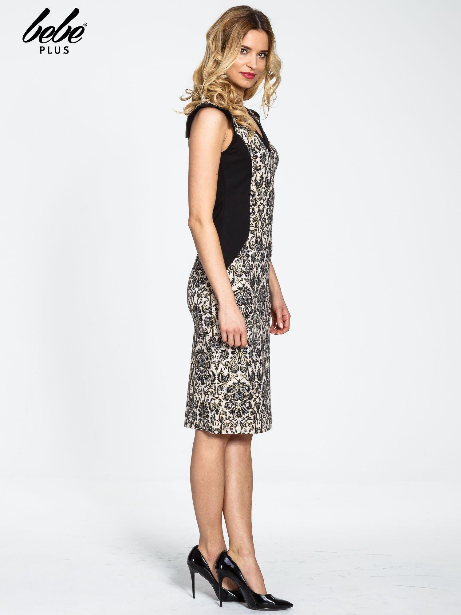 Ornamentowa sukienka z czarnymi modułami                                  zdj.                                  3