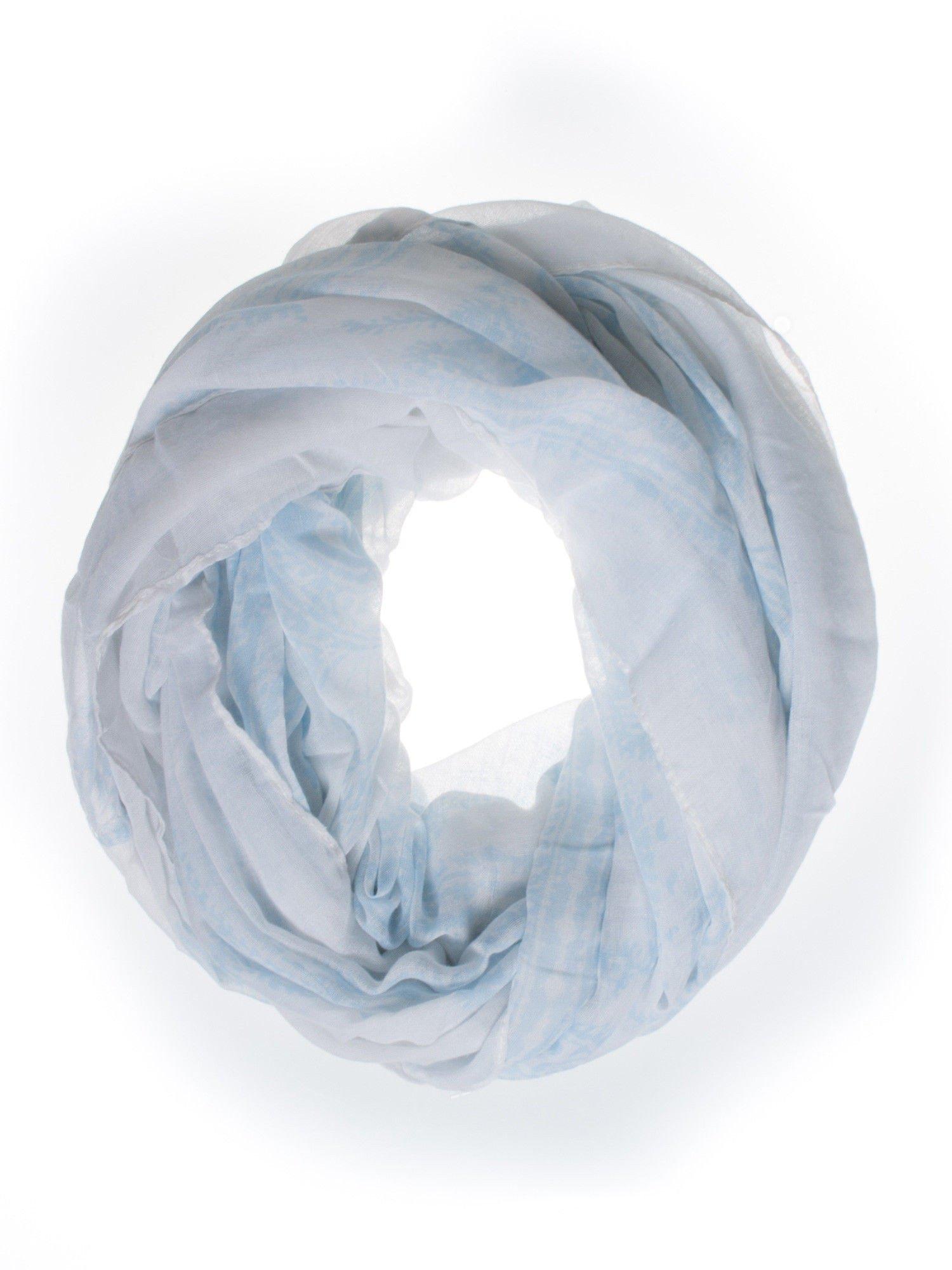 Pastelowoniebieska chusta szal w delikatny wzór                                  zdj.                                  2