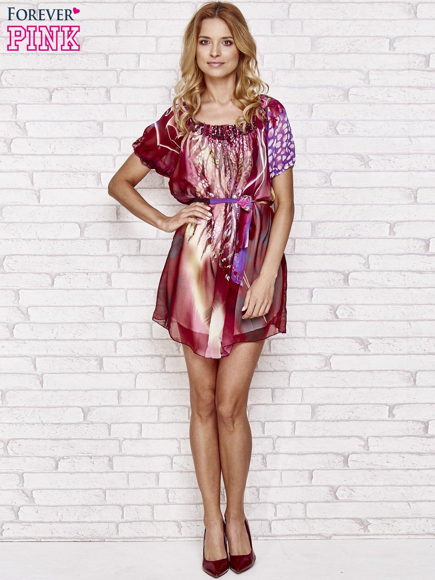 Patchworkowa sukienka mgiełka z paskiem i aplikacją                                  zdj.                                  4