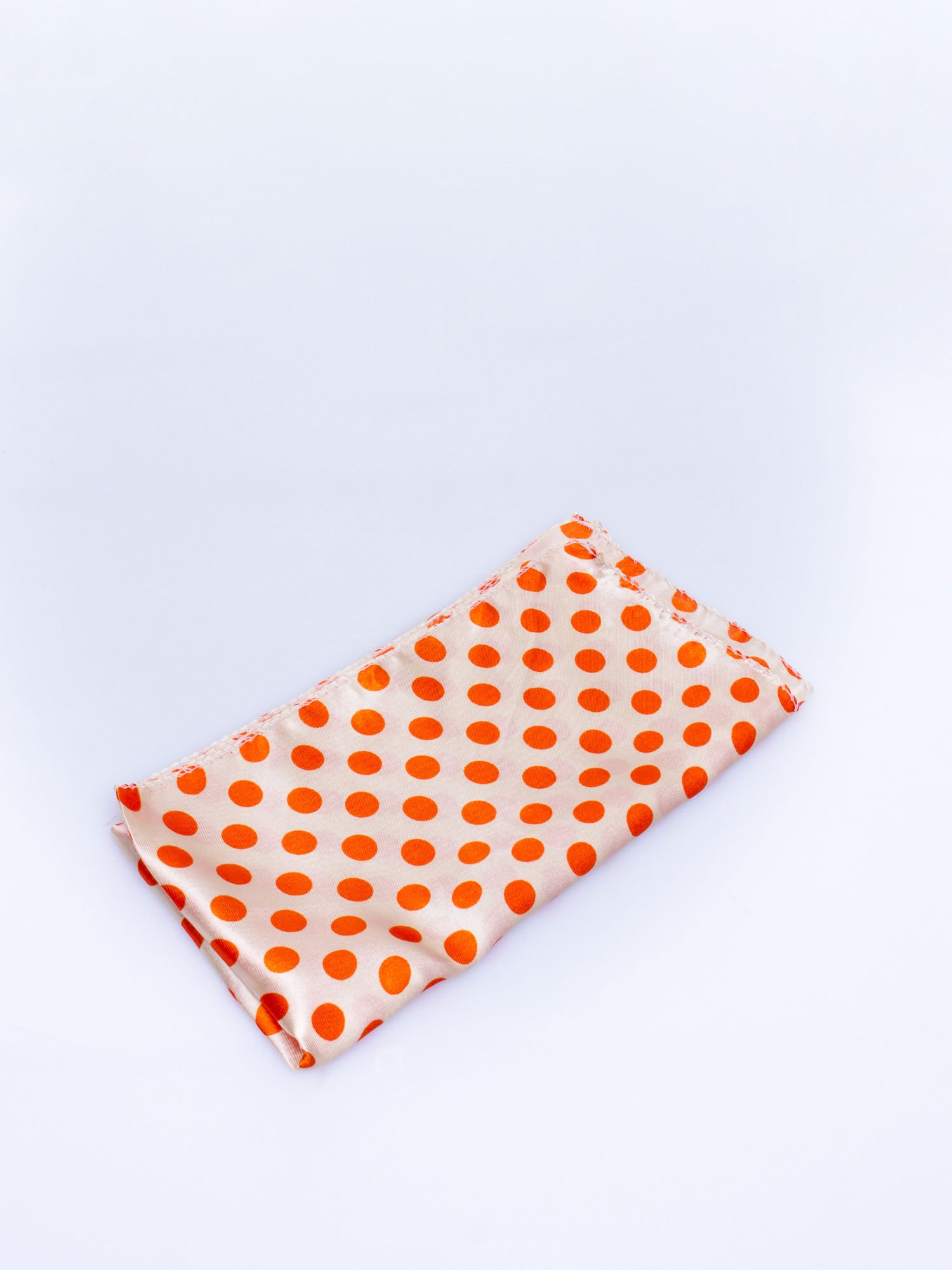Pomarańczowa chusta apaszka w grochy                                  zdj.                                  3