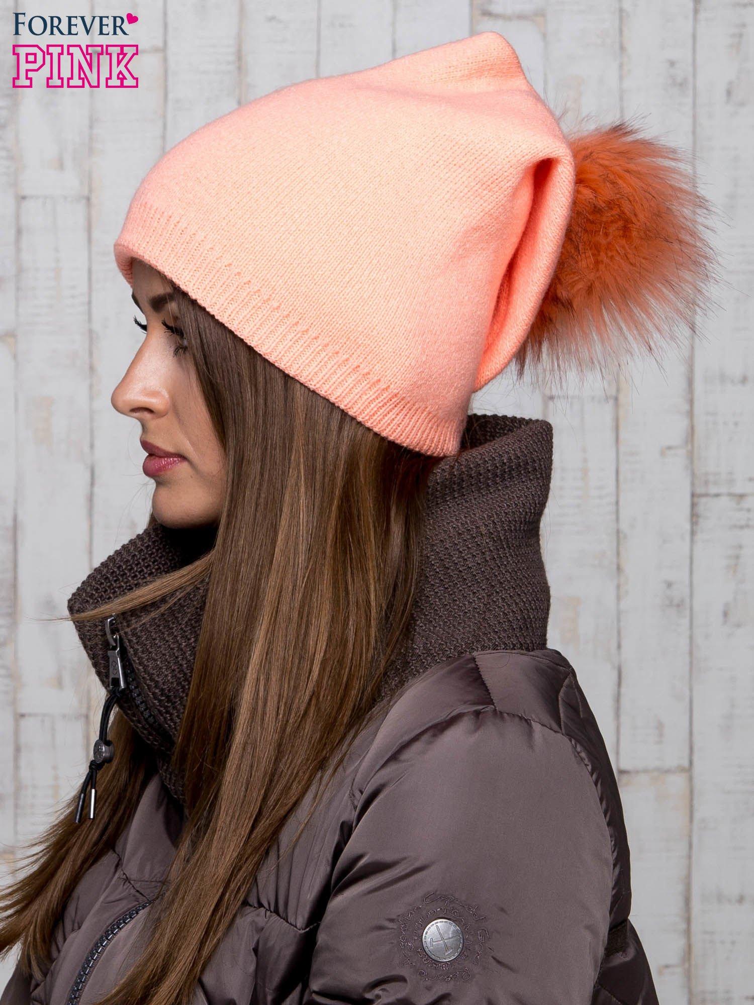 Pomarańczowa wełniana czapka z futrzanym pomponem                                   zdj.                                  2