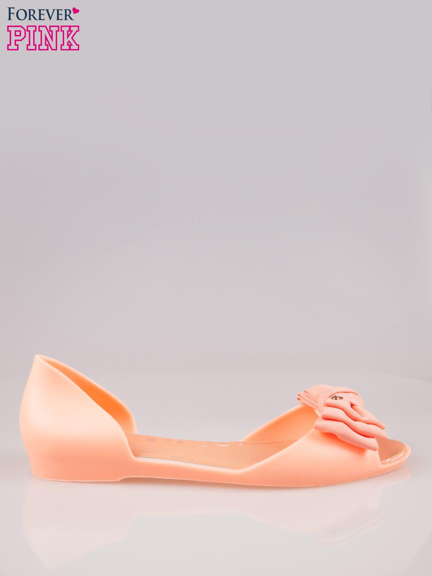 Pomarańczowe gumowe baleriny peep toe z materiałową kokardą                                  zdj.                                  1