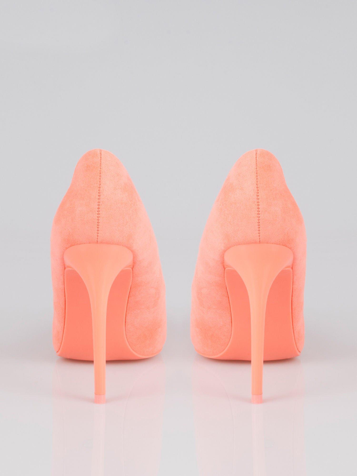 Pomarańczowe zamszowe szpilki w szpic faux suede                                  zdj.                                  3