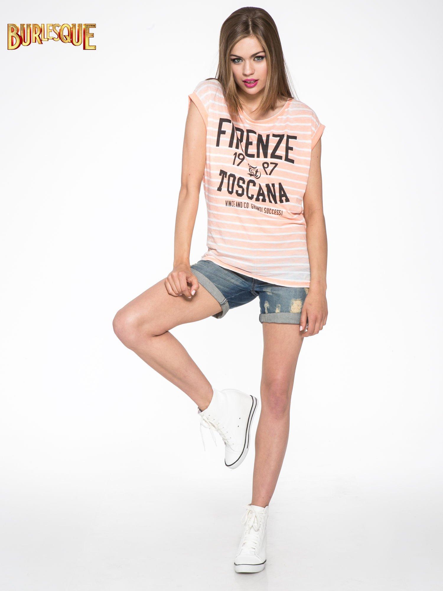 Pomarańczowy t-shirt w paski z napisem FIRENZE TOSCANA                                  zdj.                                  2