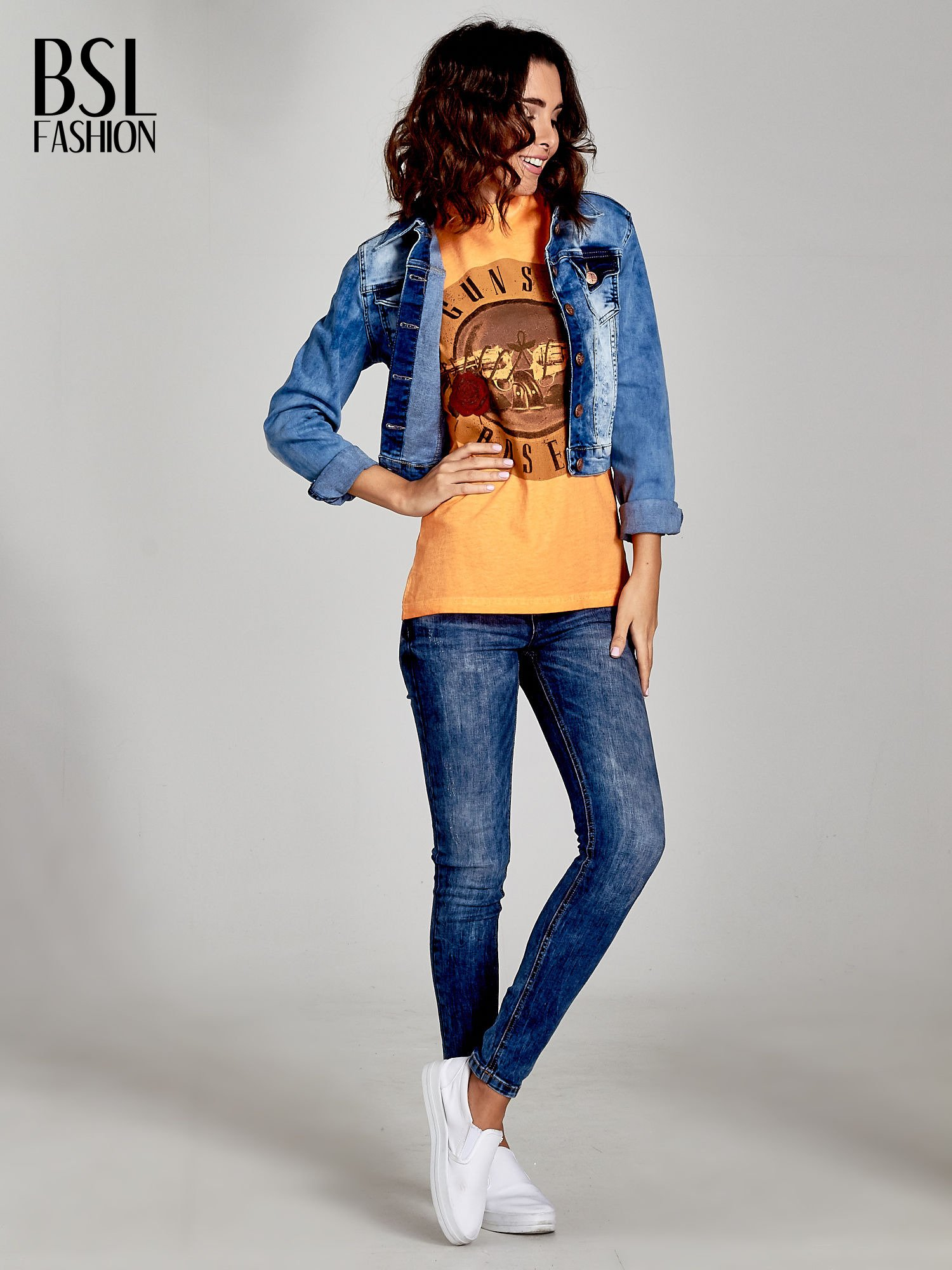 Pomarańczowy t-shirt z nadrukiem GUNS N' ROSES                                  zdj.                                  2
