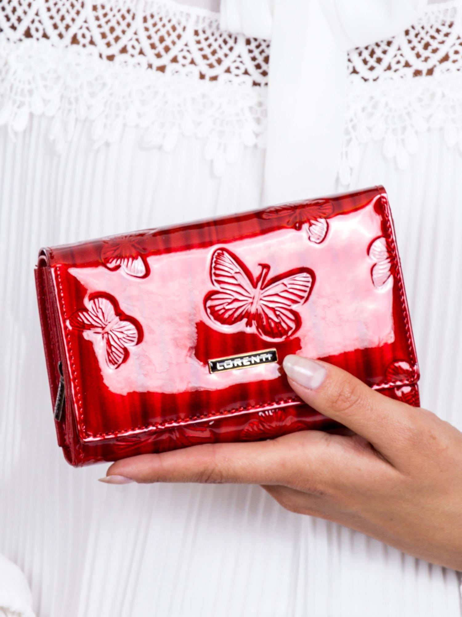 bb82d694de118 Portfel damski czerwony lakierowany w motyle - Akcesoria portfele ...