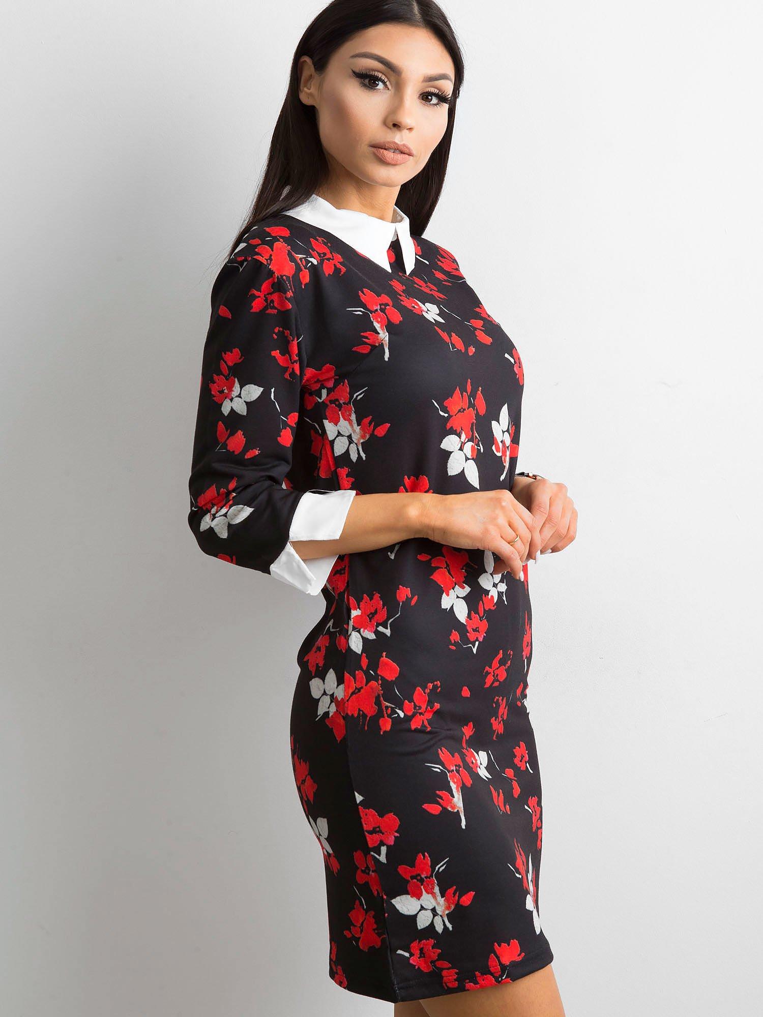 c55a71ace5 Prosta czarna sukienka w kwiaty z kołnierzykiem - Sukienka z printem -  sklep eButik.pl