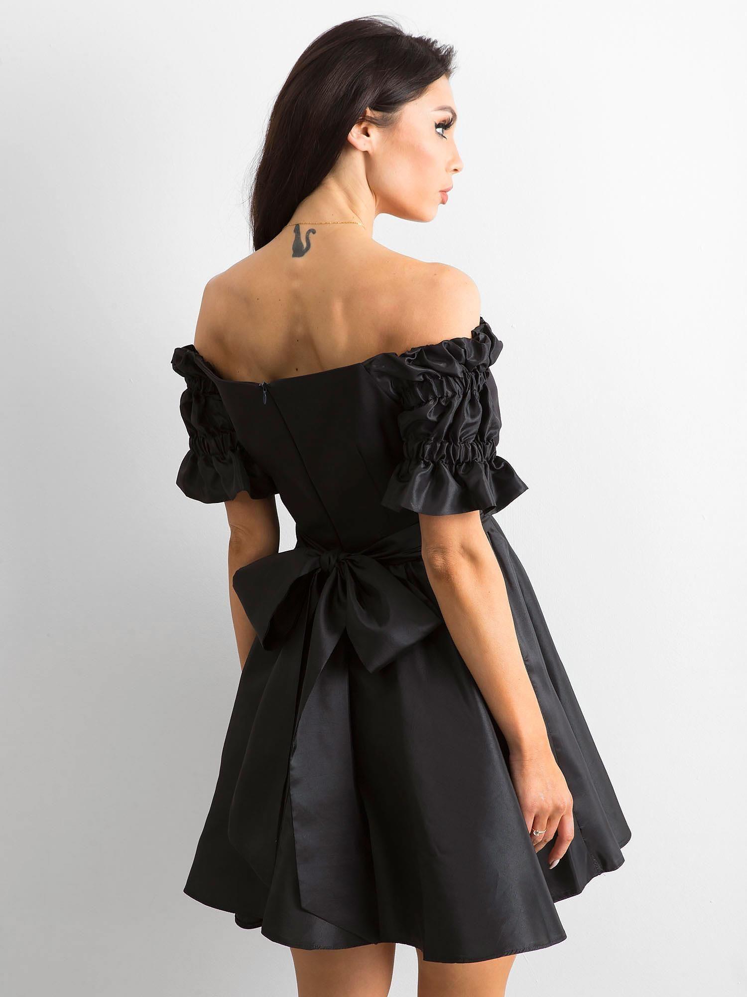 612cb6568 Rozkloszowana sukienka czarna BY O LA LA - Sukienka rozkloszowana - sklep  eButik.pl