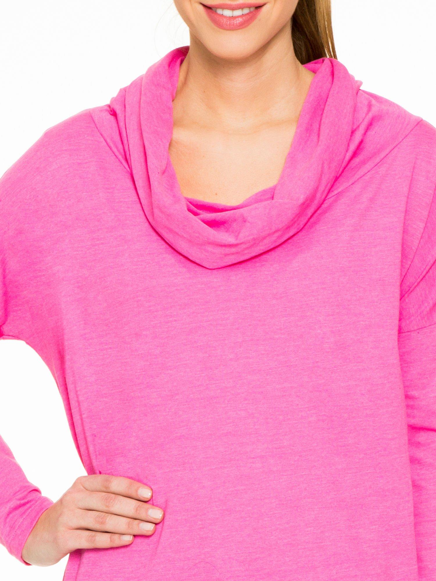 Różowa bluzka dresowa z kołnierzokapturem i ściągaczem na dole                                  zdj.                                  5