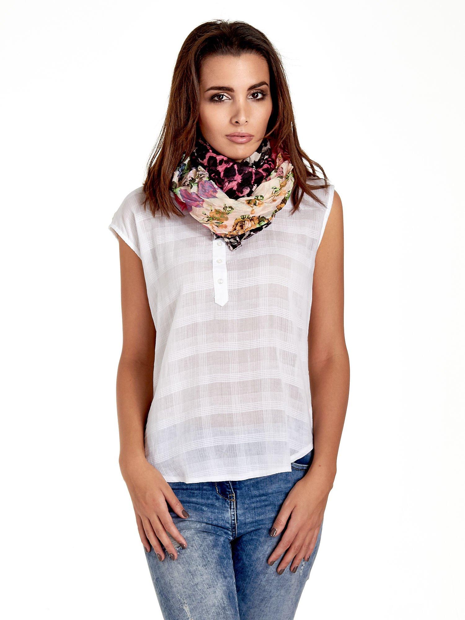 Różowa chusta w patchworkowe wzory                                  zdj.                                  1