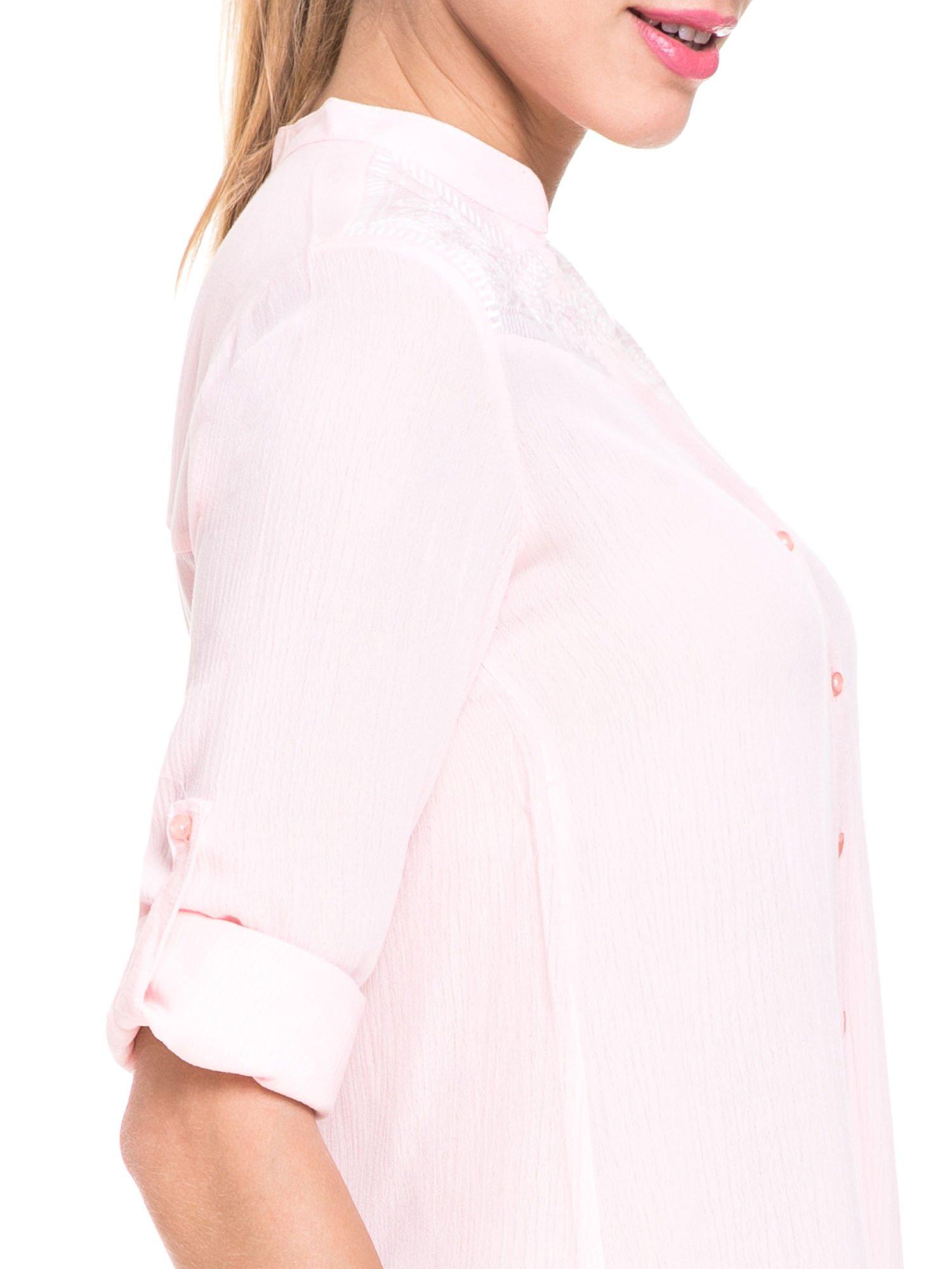 Różowa koszula damska z haftem na ramionach                                  zdj.                                  8