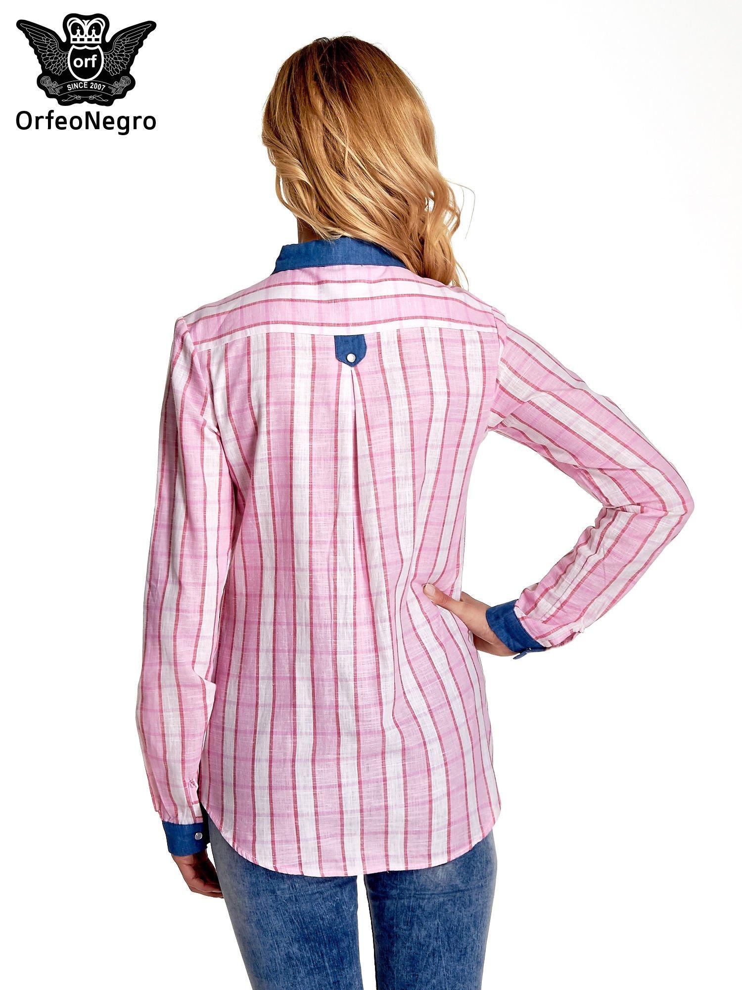Różowa koszula w kratę z kołnierzykiem, mankietami i kieszonką z ciemnego denimu                                  zdj.                                  4