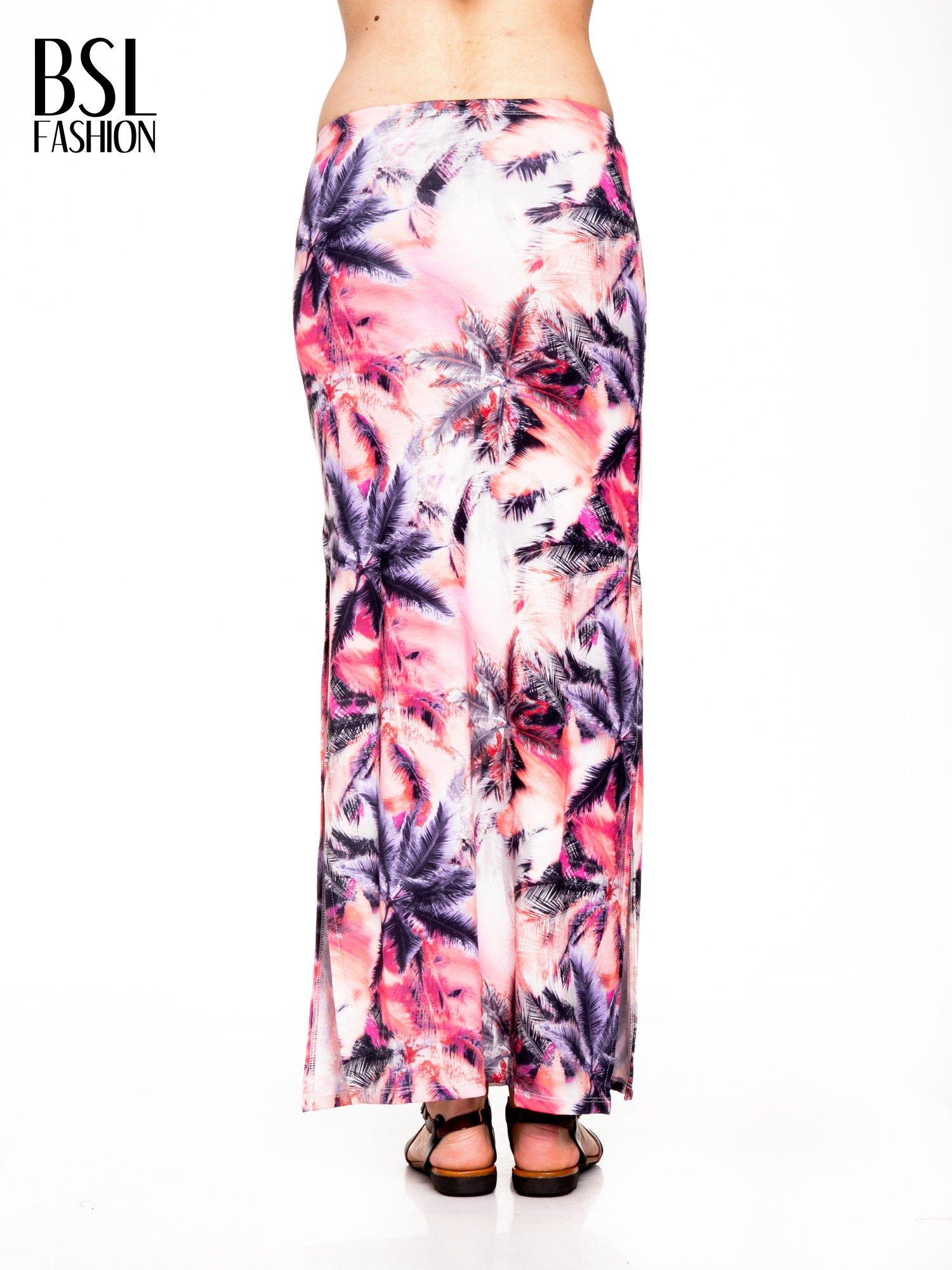 Różowa spódnica maxi z rozporkiem w egzotyczny nadruk palm                                  zdj.                                  3