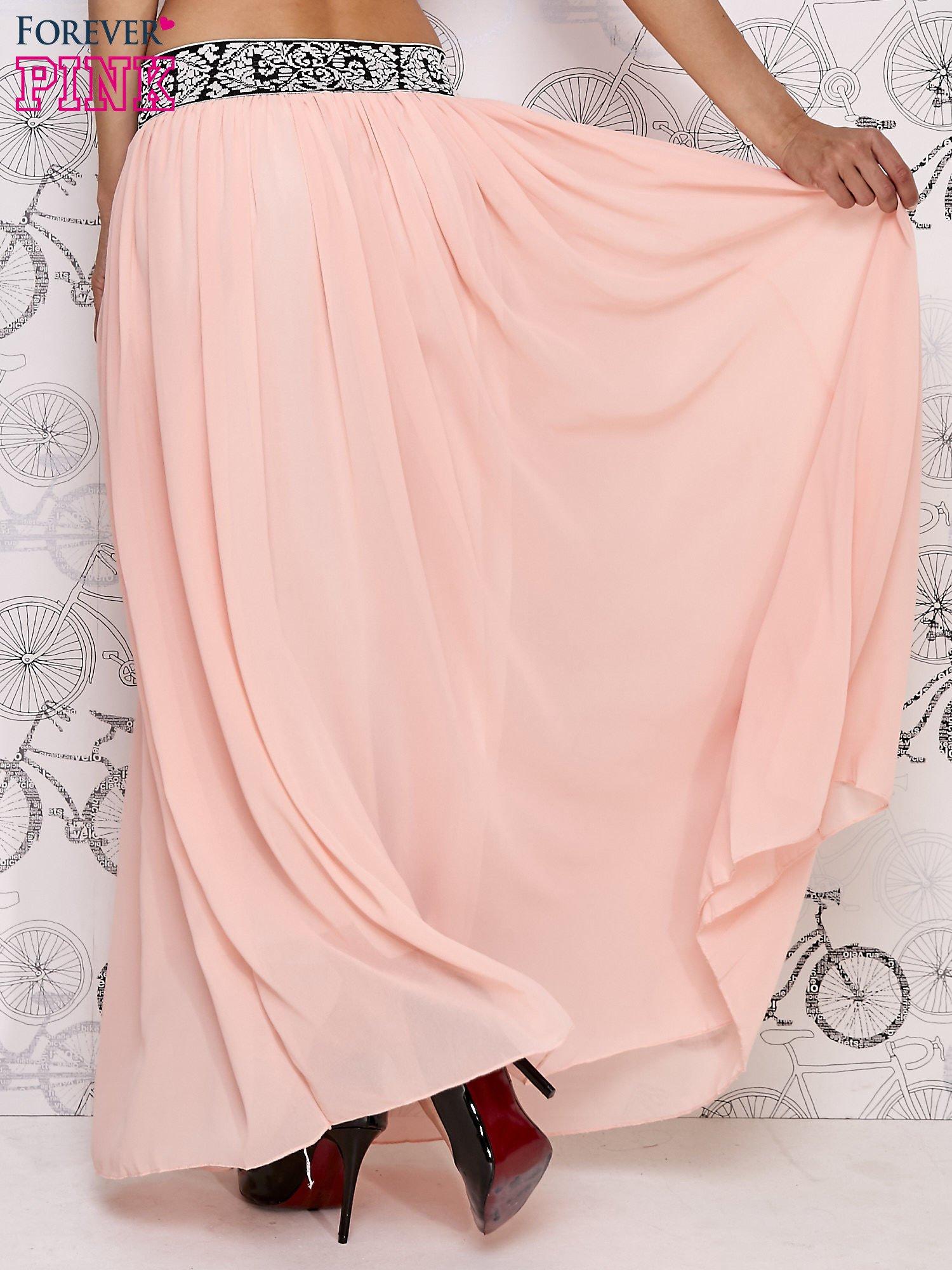 Różowa spódnica maxi z wyszywanym paskiem                                  zdj.                                  5