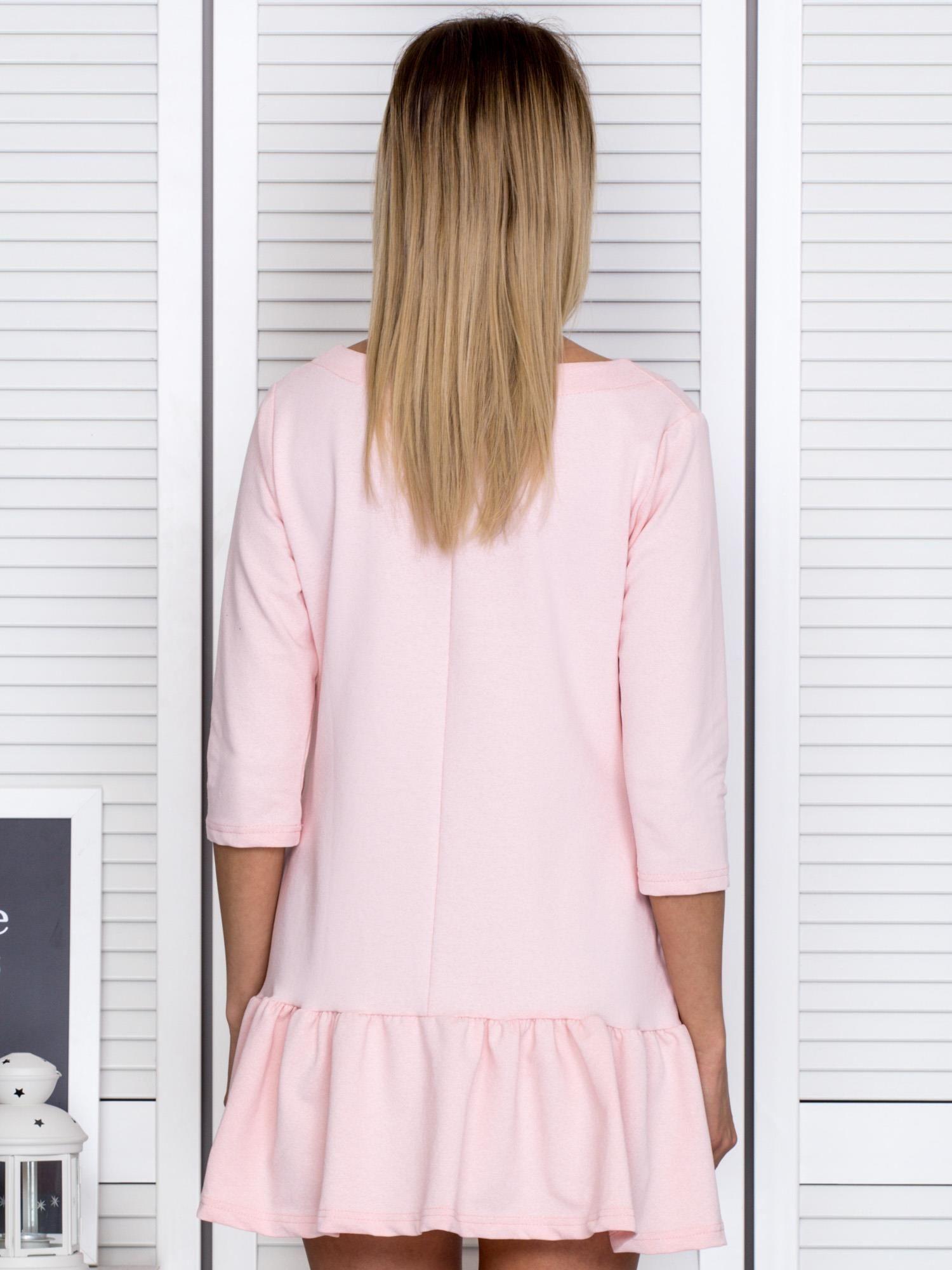 752be977cc Różowa sukienka dresowa z falbankami - Sukienka dzianinowa - sklep ...