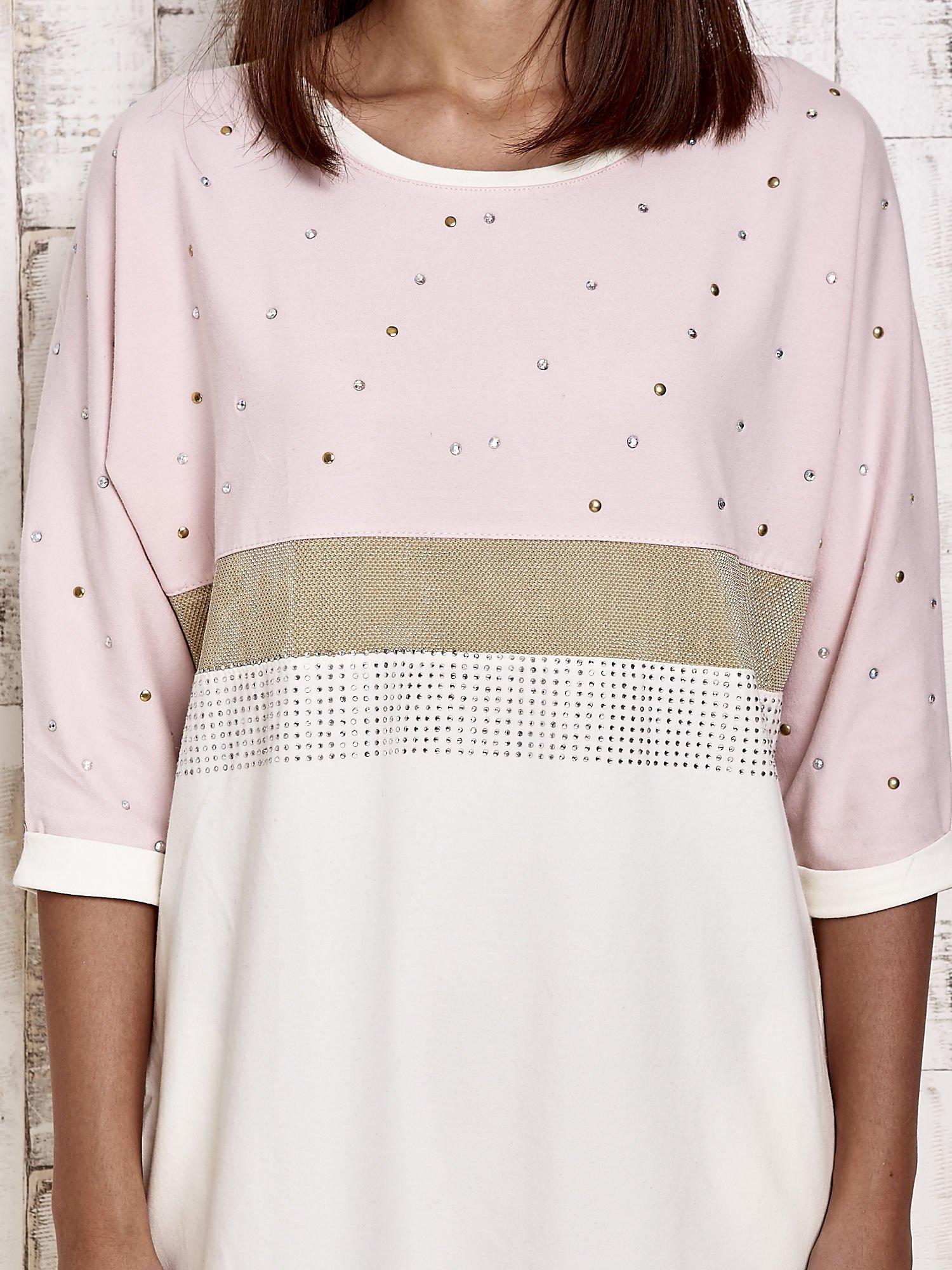 Różowa sukienka dresowa z kryształkami i dżetami                                  zdj.                                  5