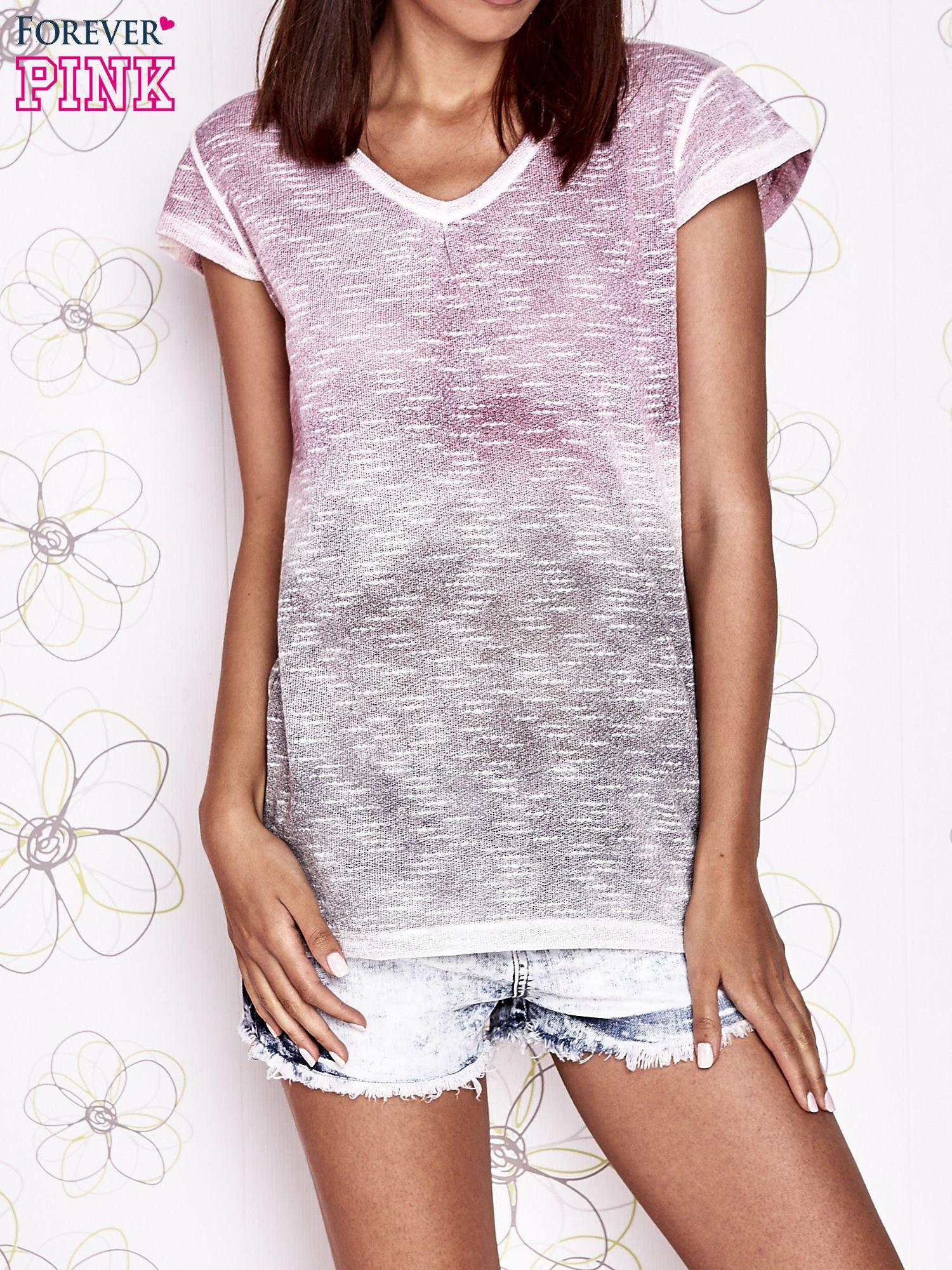 Różowo-szary t-shirt z efektem ombre                                  zdj.                                  1