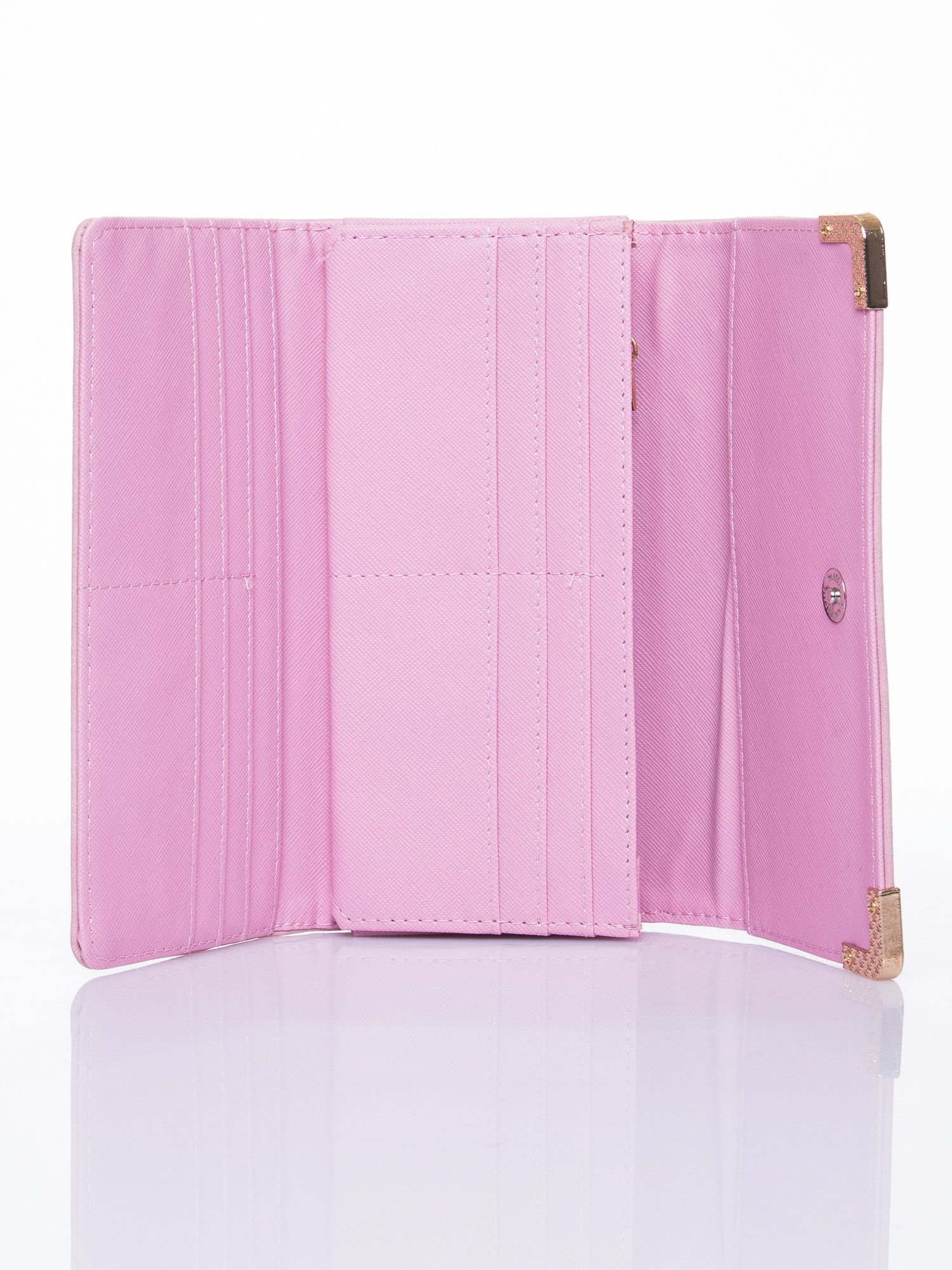Różowy dziurkowany portfel ze złotym wykończeniem                                  zdj.                                  4