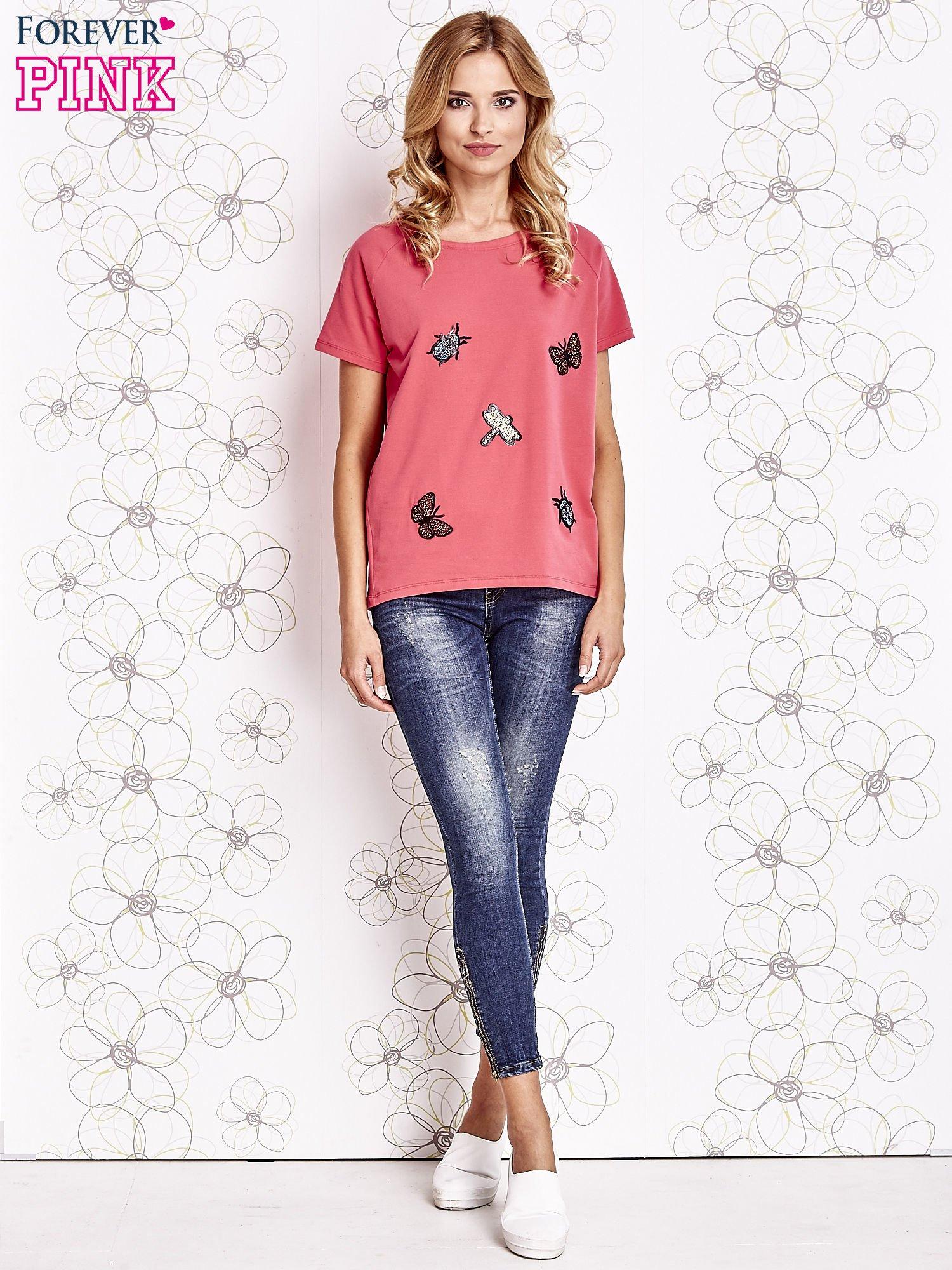 Różowy t-shirt z aplikacją owadów                                   zdj.                                  2