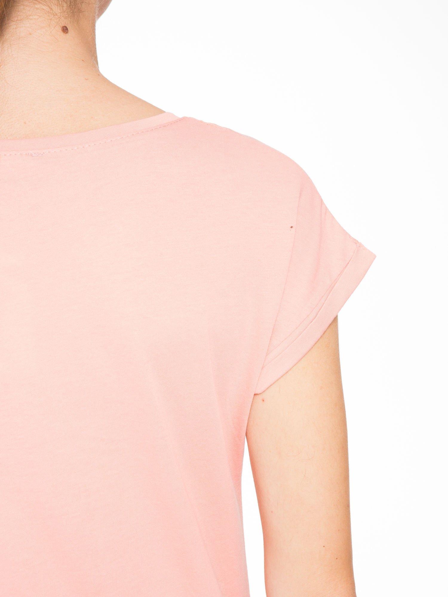 Różowy t-shirt z nadrukiem roweru                                  zdj.                                  8