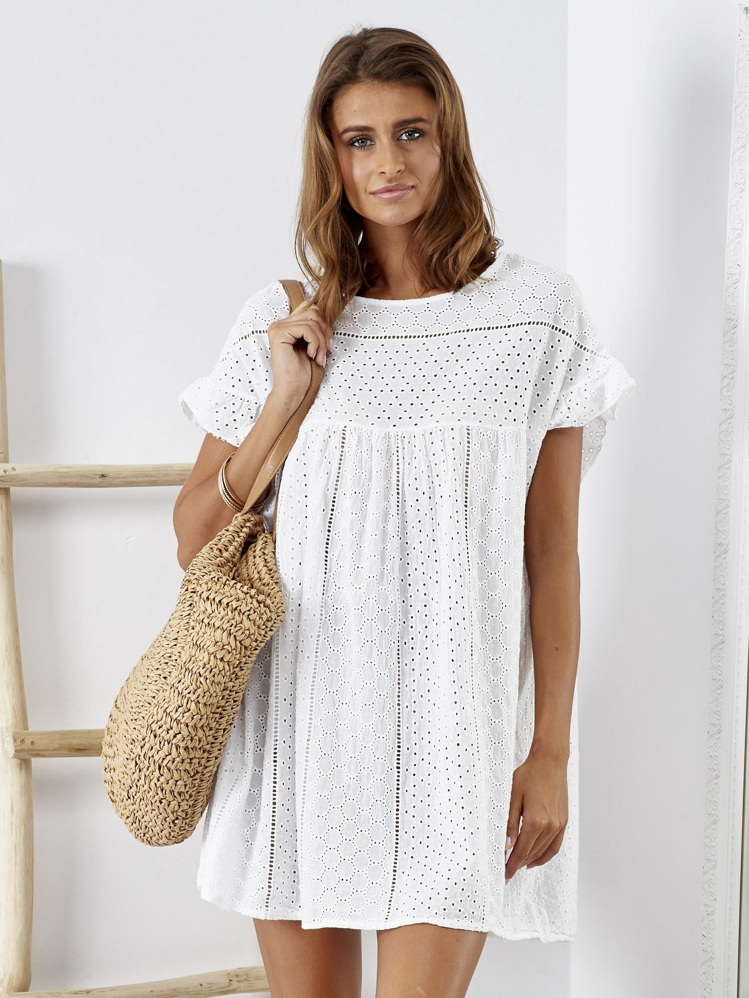 21b88f8e4e Biała sukienka z haftem angielskim - Sukienka na co dzień - sklep ...