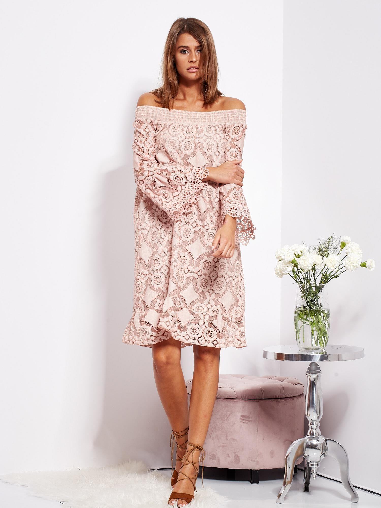 b658483d66 Pudroworóżowa sukienka hiszpanka z kwiatową koronką - Sukienka ...