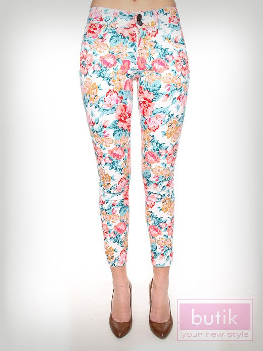 Spodnie w kwiaty                                  zdj.                                  4