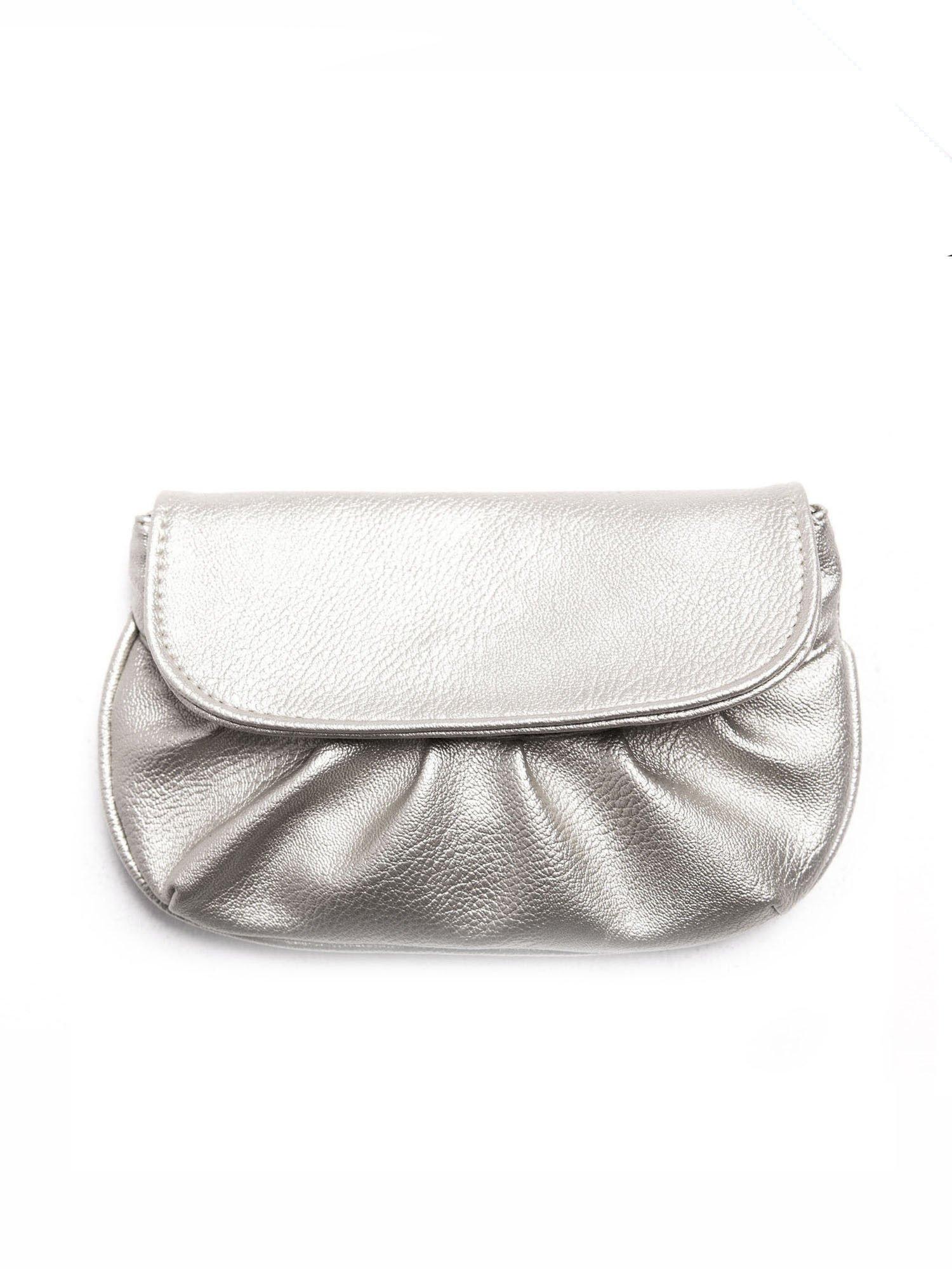 Srebrna mini torebka kopertówka z paskiem                                  zdj.                                  1