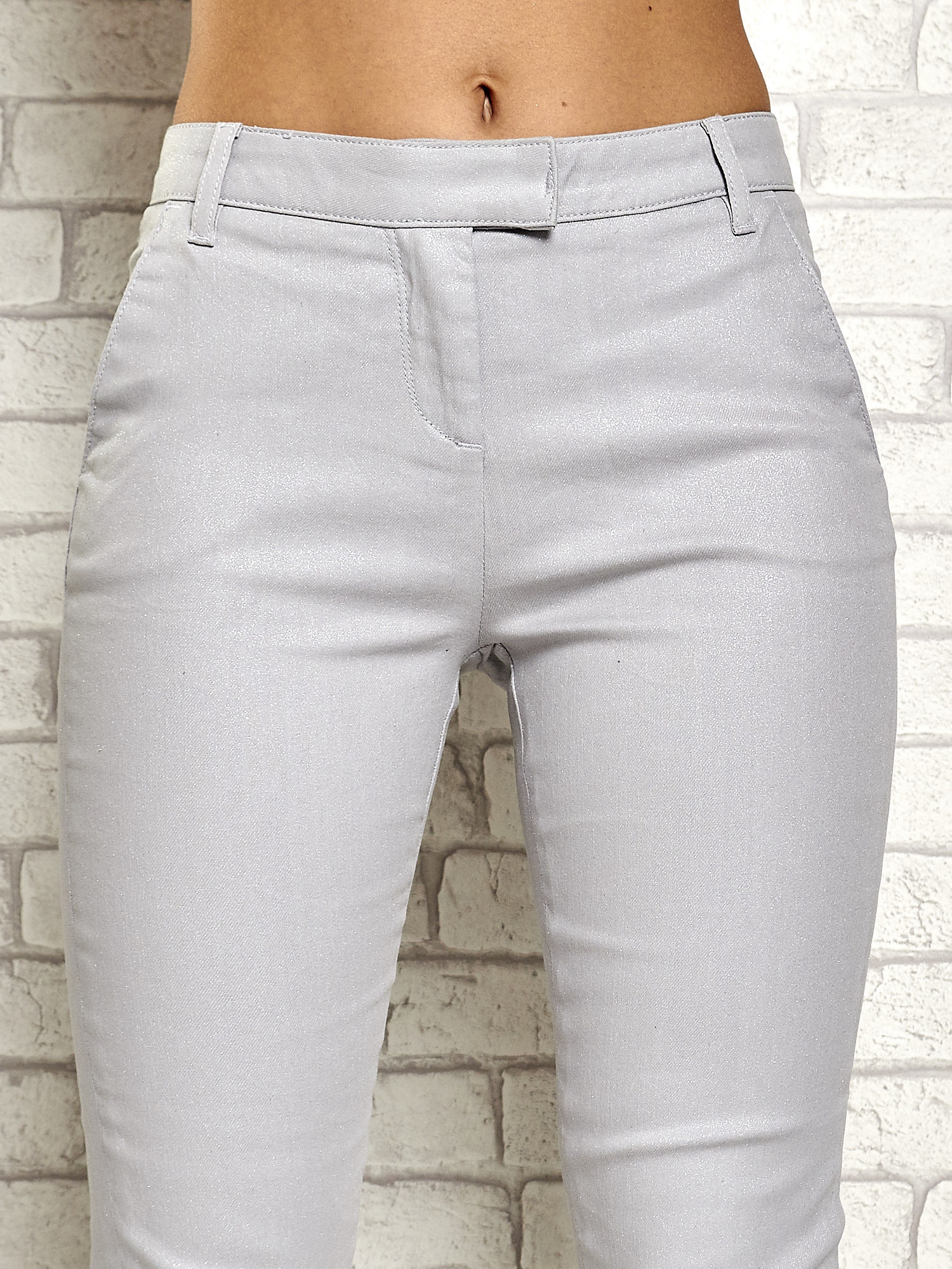 Srebrne brokatowe spodnie                                  zdj.                                  4