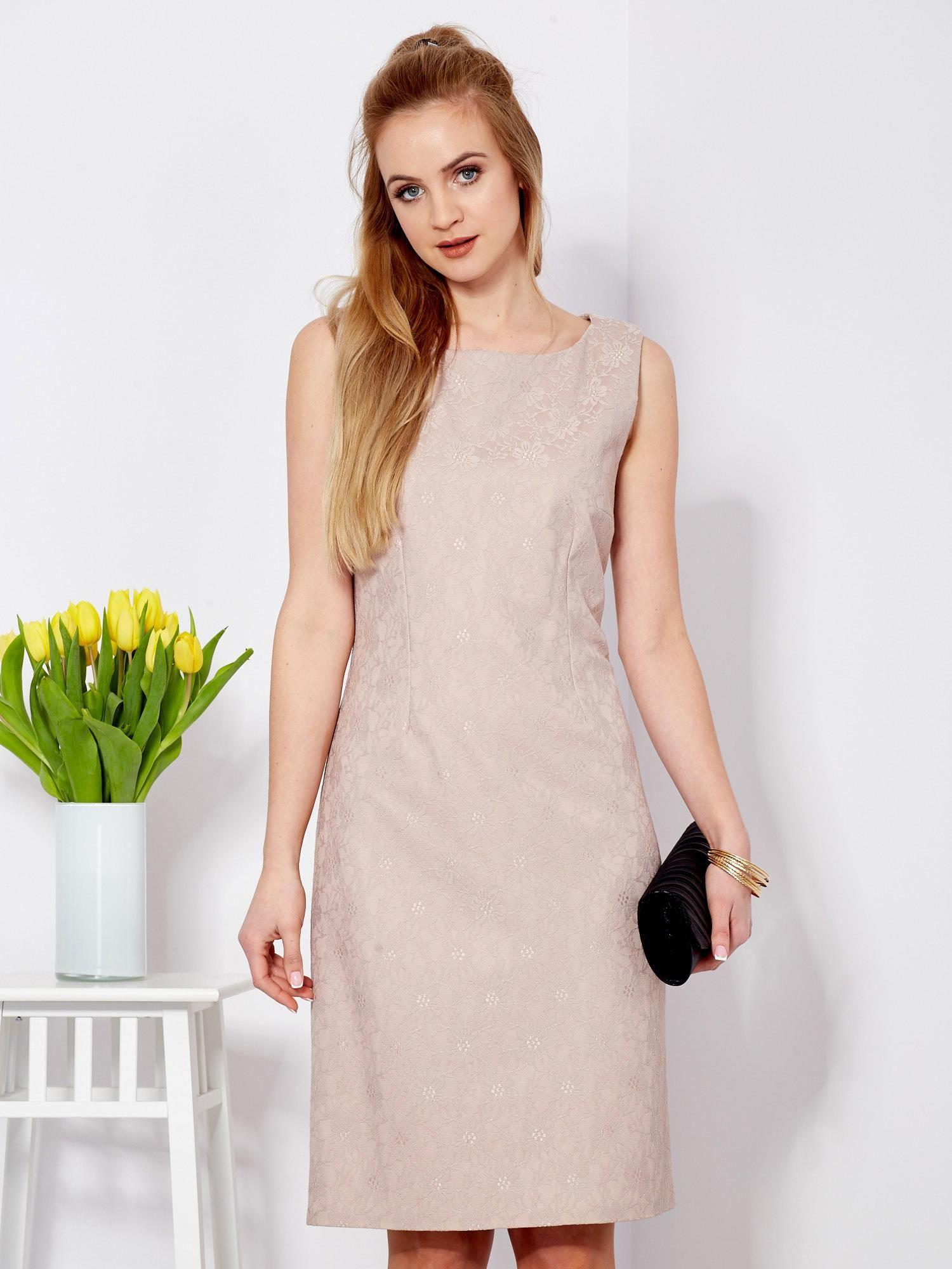 Ogromny Sukienka beżowa koronkowa z dekoltem z tyłu - Sukienka plus size AD88