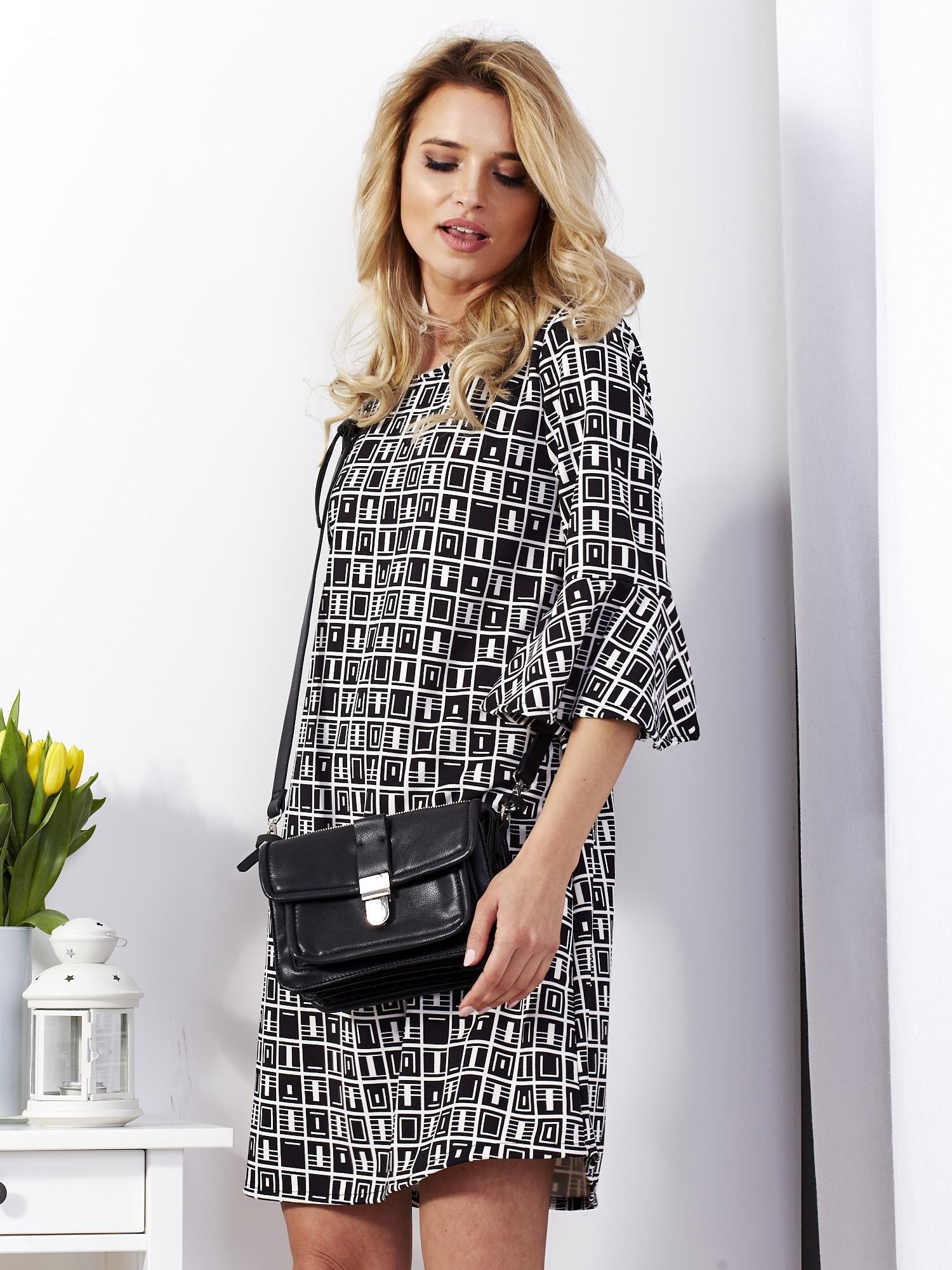 9a53266127 Sukienka czarna w geometryczne wzory - Sukienka koktajlowa - sklep ...