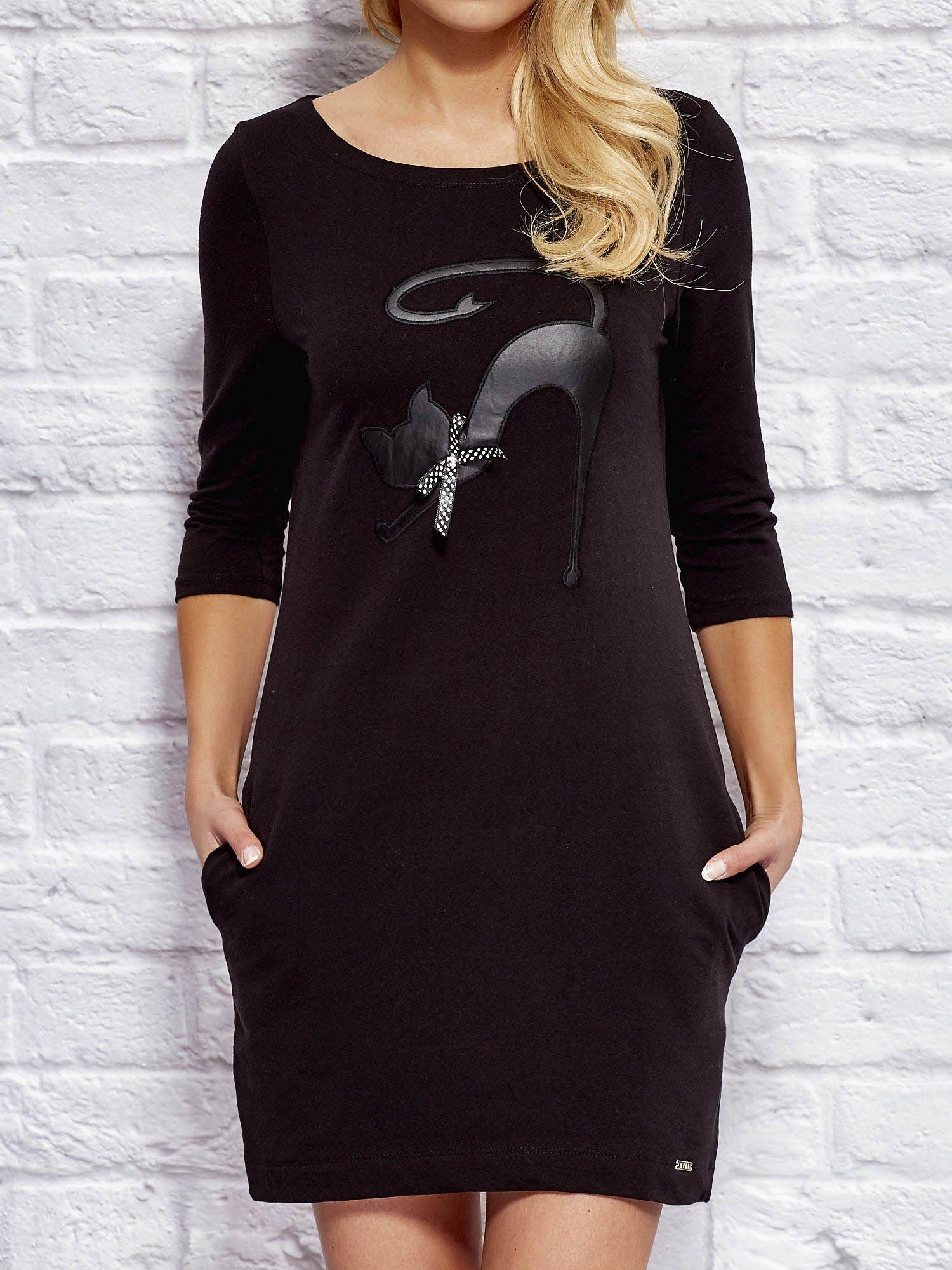W Ultra Sukienka dresowa z naszywką kota czarna - Sukienka na co dzień NC57