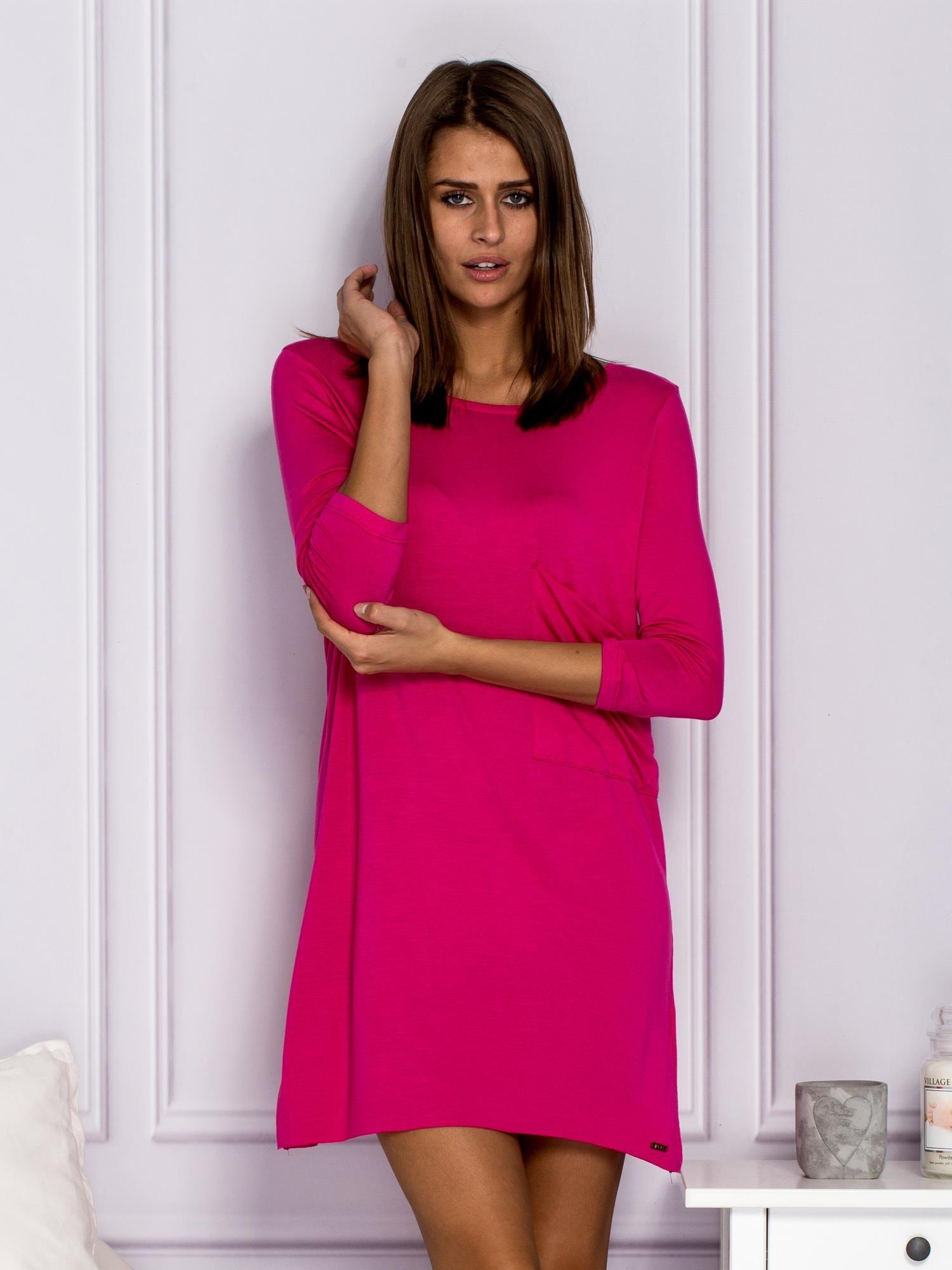 cb0000e467 Sukienka dzienna z napisem FALL IN LOVE różowa - Sukienka na co dzień -  sklep eButik.pl