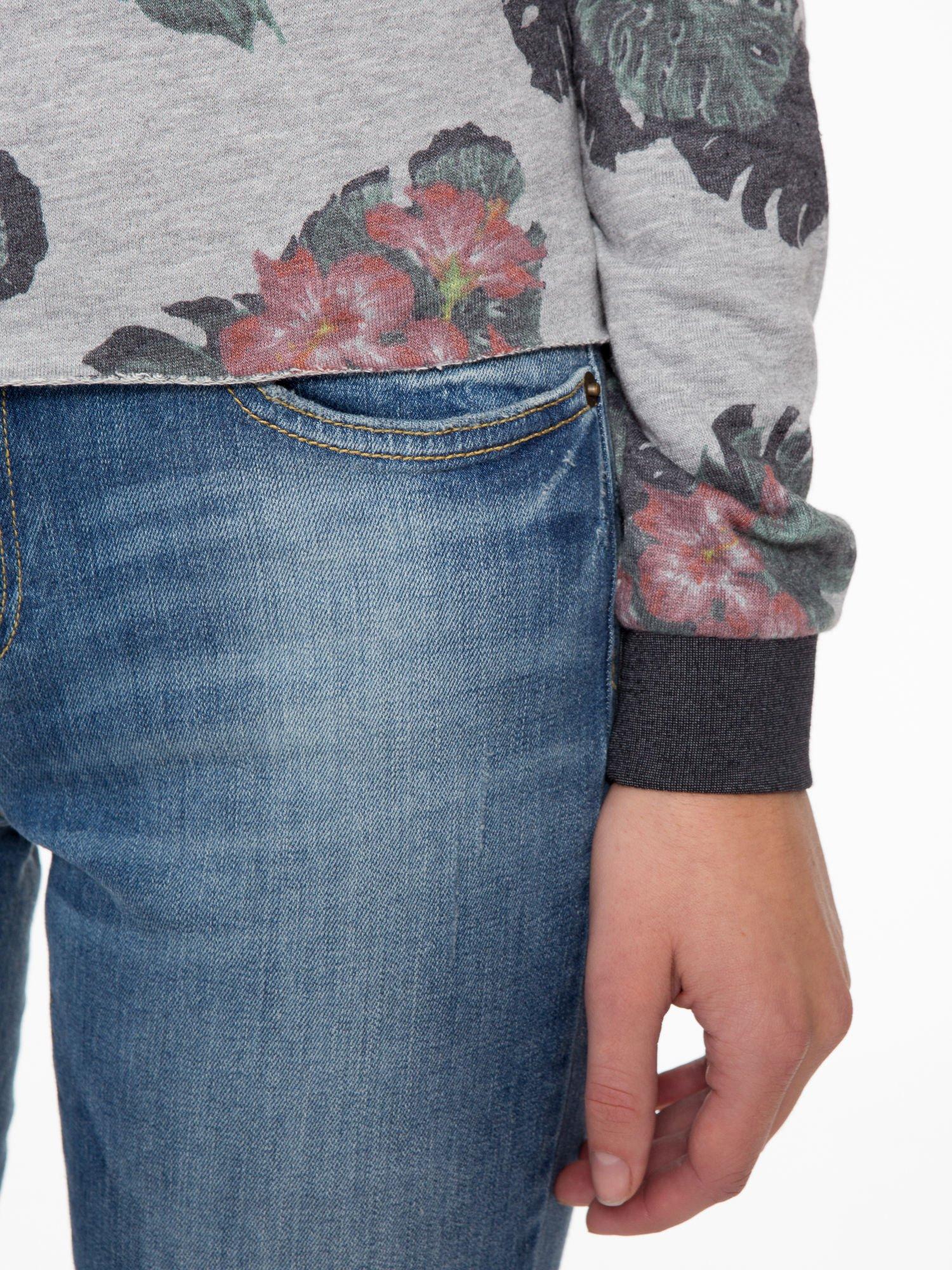 Szara bluza z nadrukiem floral print                                  zdj.                                  7