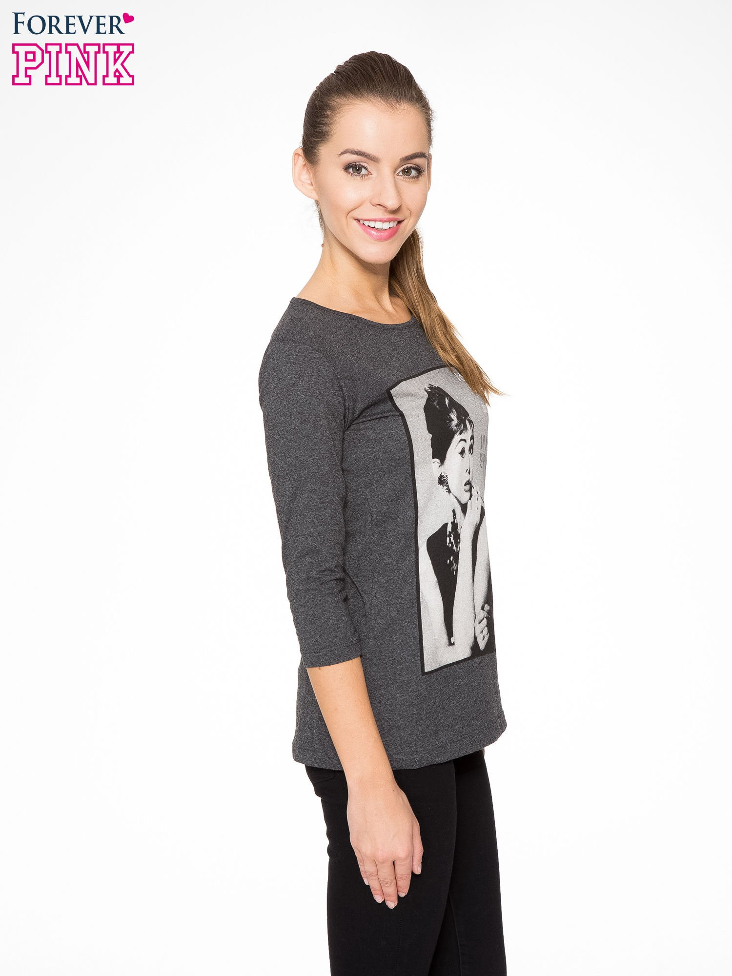Szara bluzka z portretem Audrey Hepburn                                  zdj.                                  3