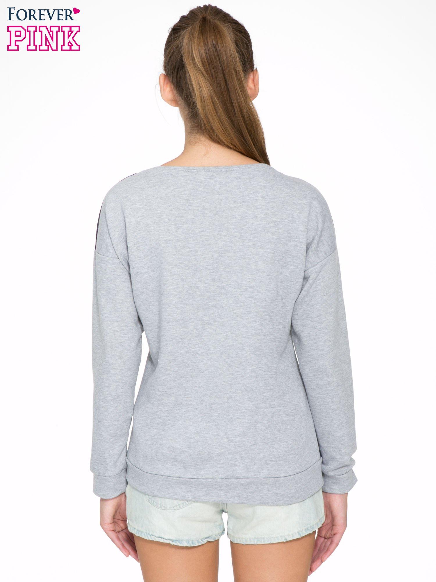 Szara dresowa bluza z nadrukiem kota z motywem galaxy                                  zdj.                                  4