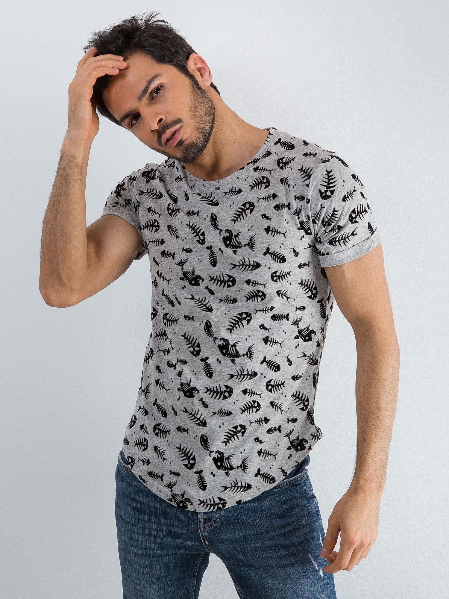 Szara koszulka męska we wzory